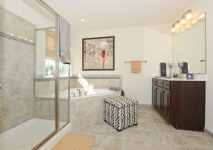 Clairemont-Buchanan2-Interior-Bath1-LG.jpg