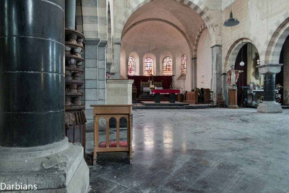 A beautiful clean abandoned church in Belgium. Apart from dirty floors, the odd crack in a wall and a few cobwebs its hard to tell this church is actually out of use.