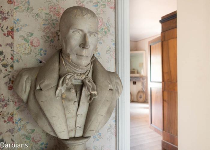 Abandoned: Manoir Aux Portraits