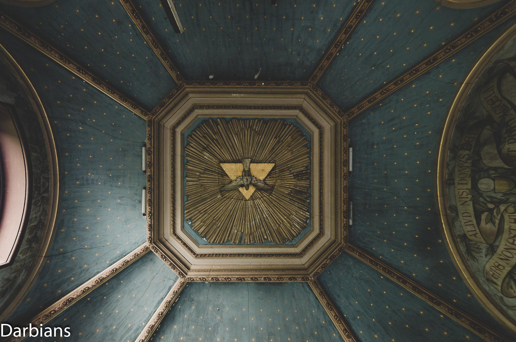 Chateau Rochendaal. Chapel ceiling.