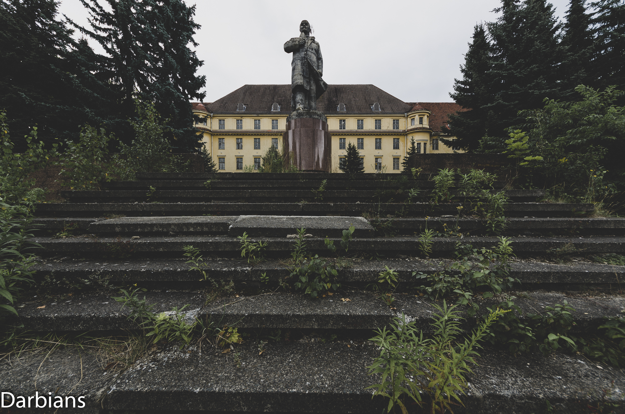 Haus Der Offiziere Wünsdorf Main Building. External with Lenin statue.