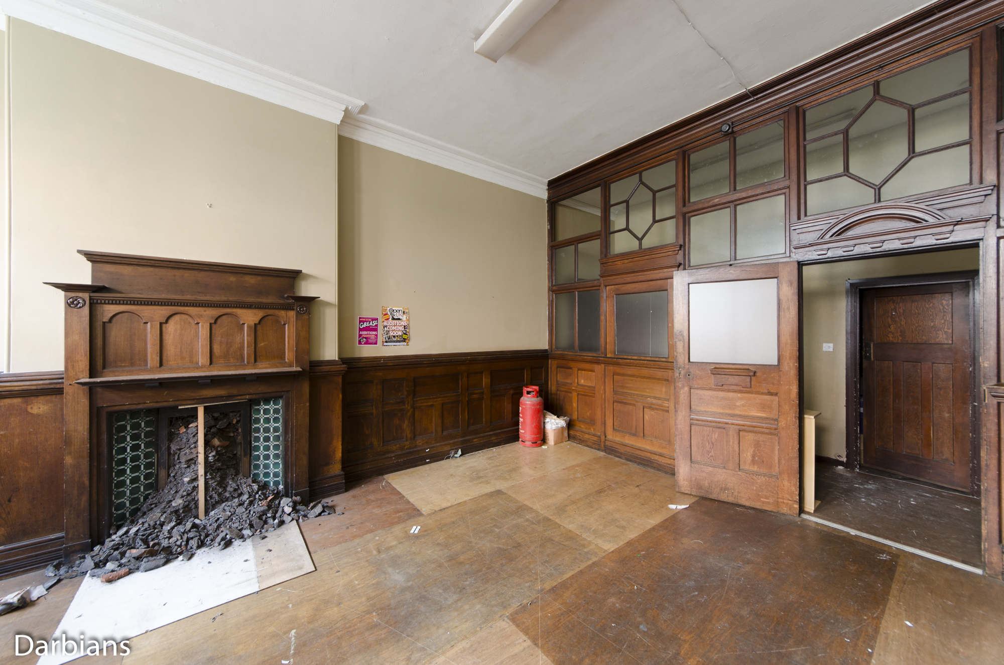 Cardiff Coal Exchange. Small wood panelled room.