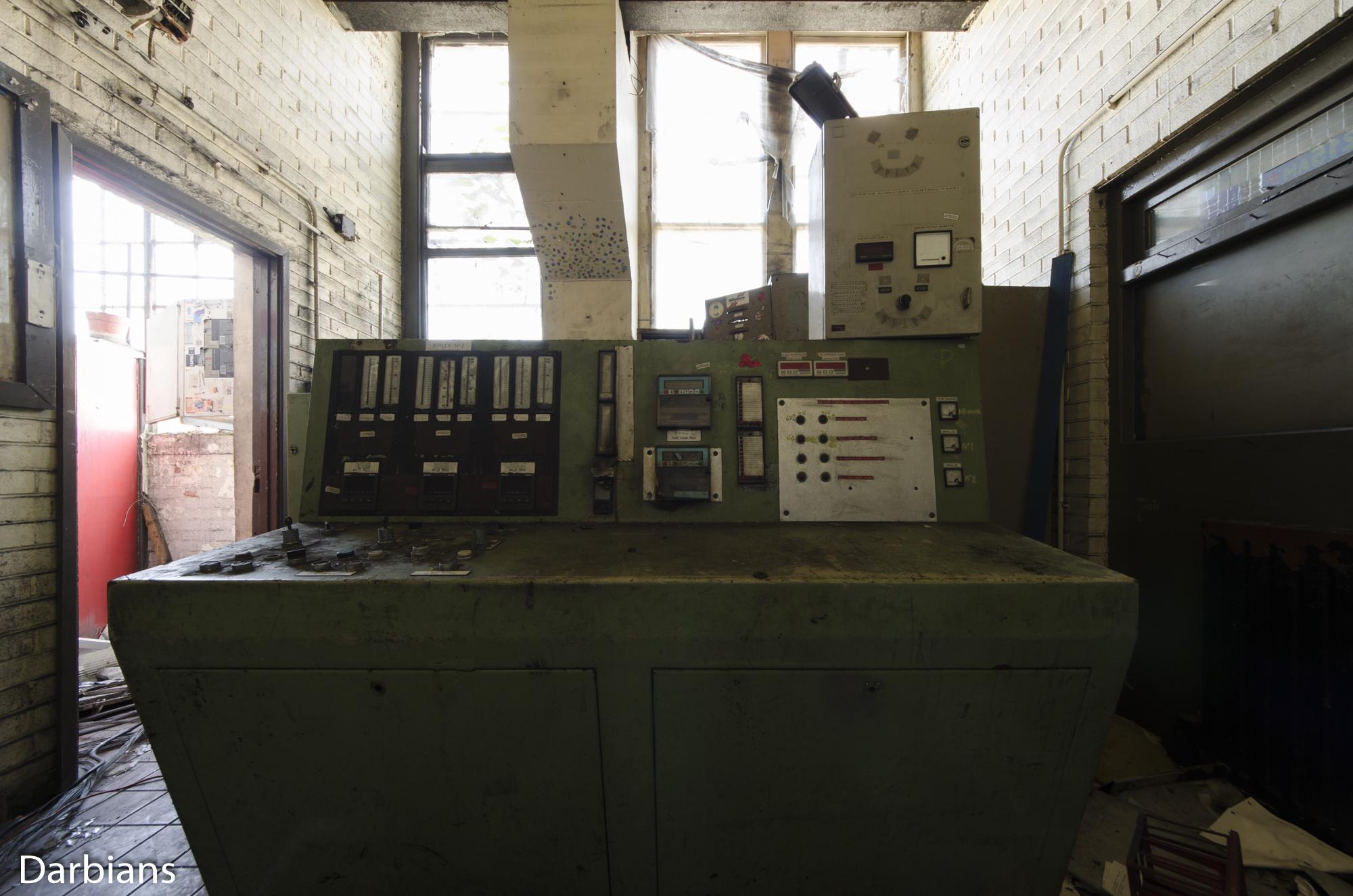 CWM Coke. Small control room.