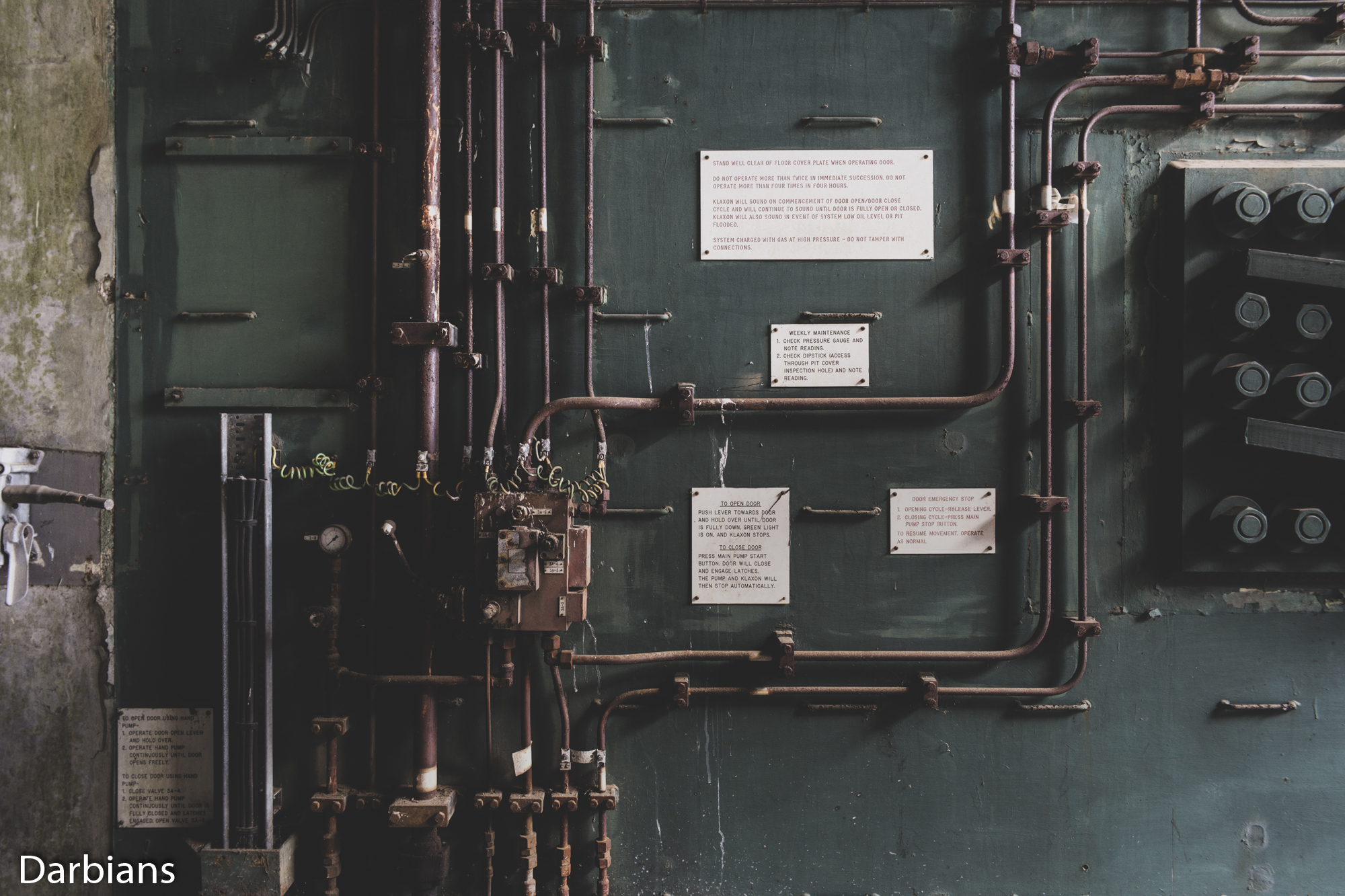 RAF Greenham Common: A close up of the hydraulic system.