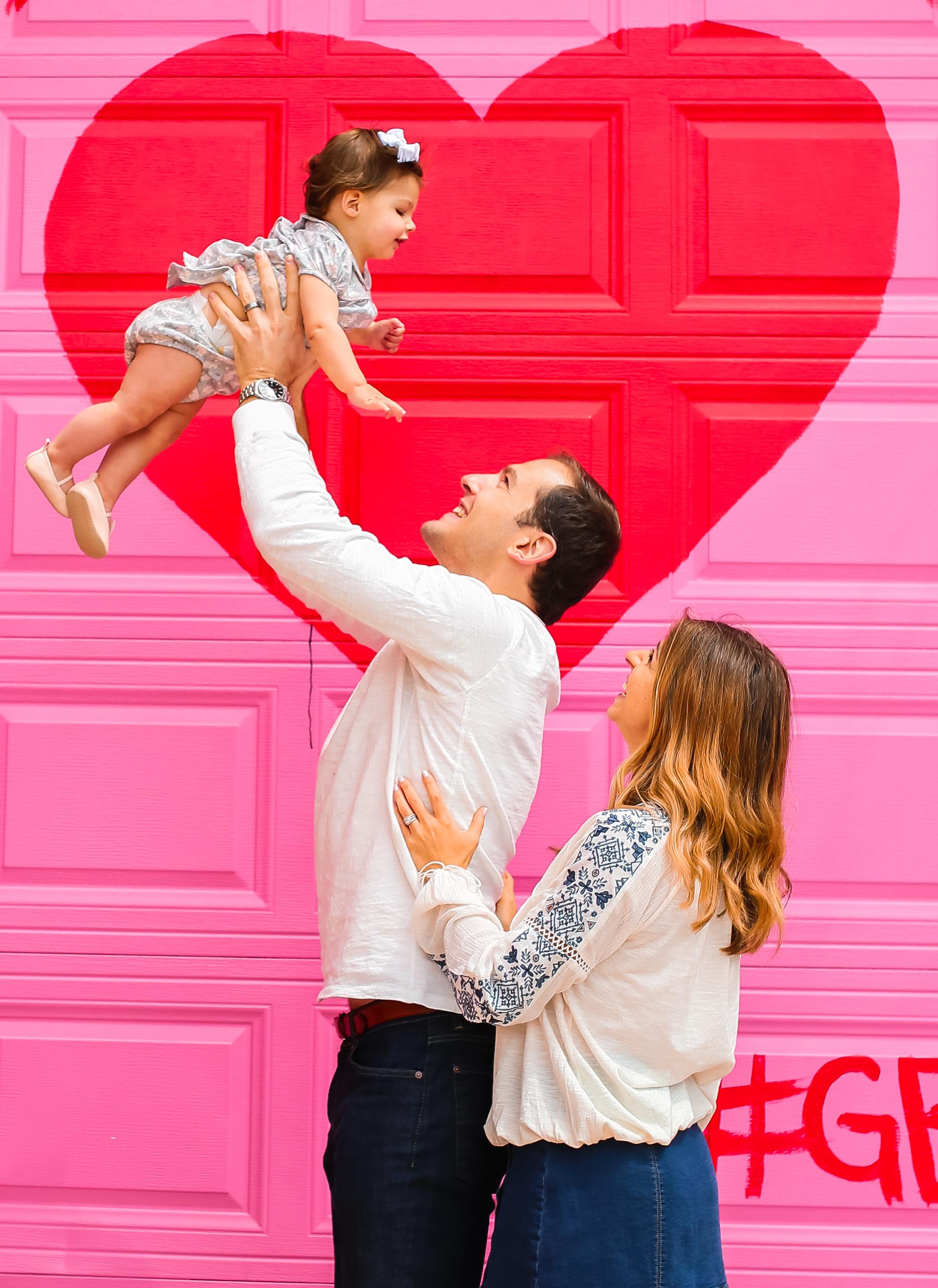 family love chicago graffiti wall