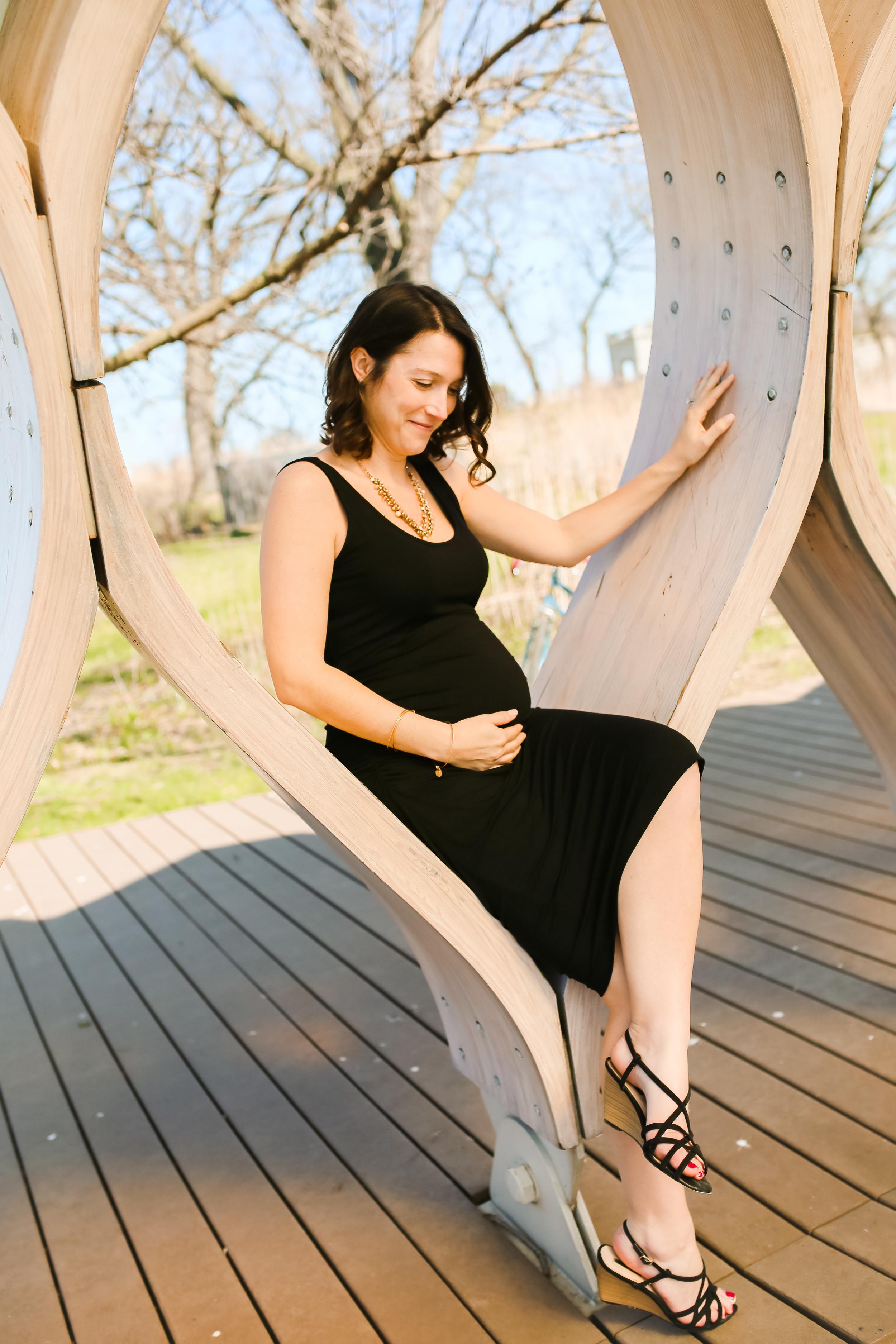 chicago maternity pose