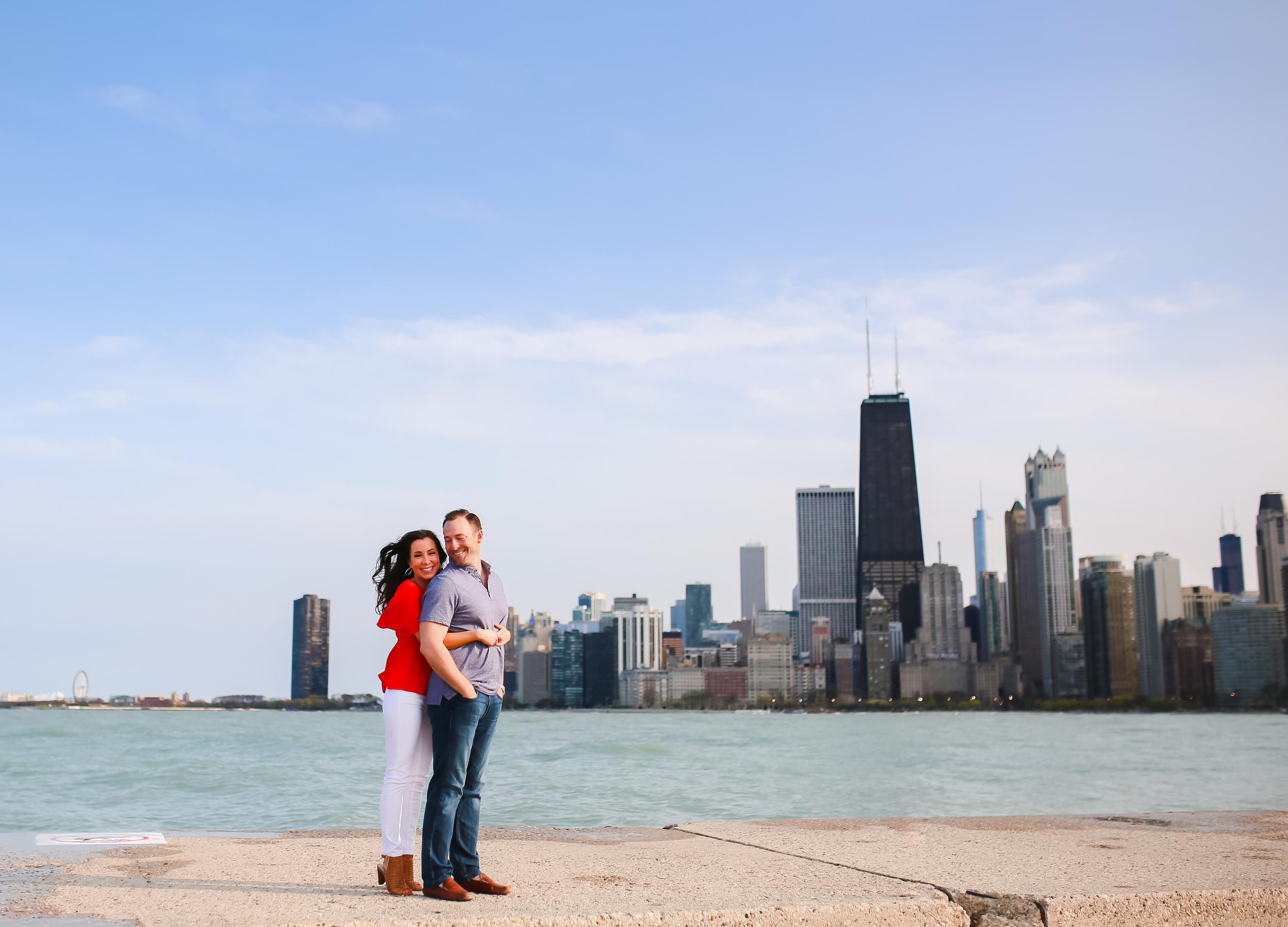 chicago skyline engaged couple