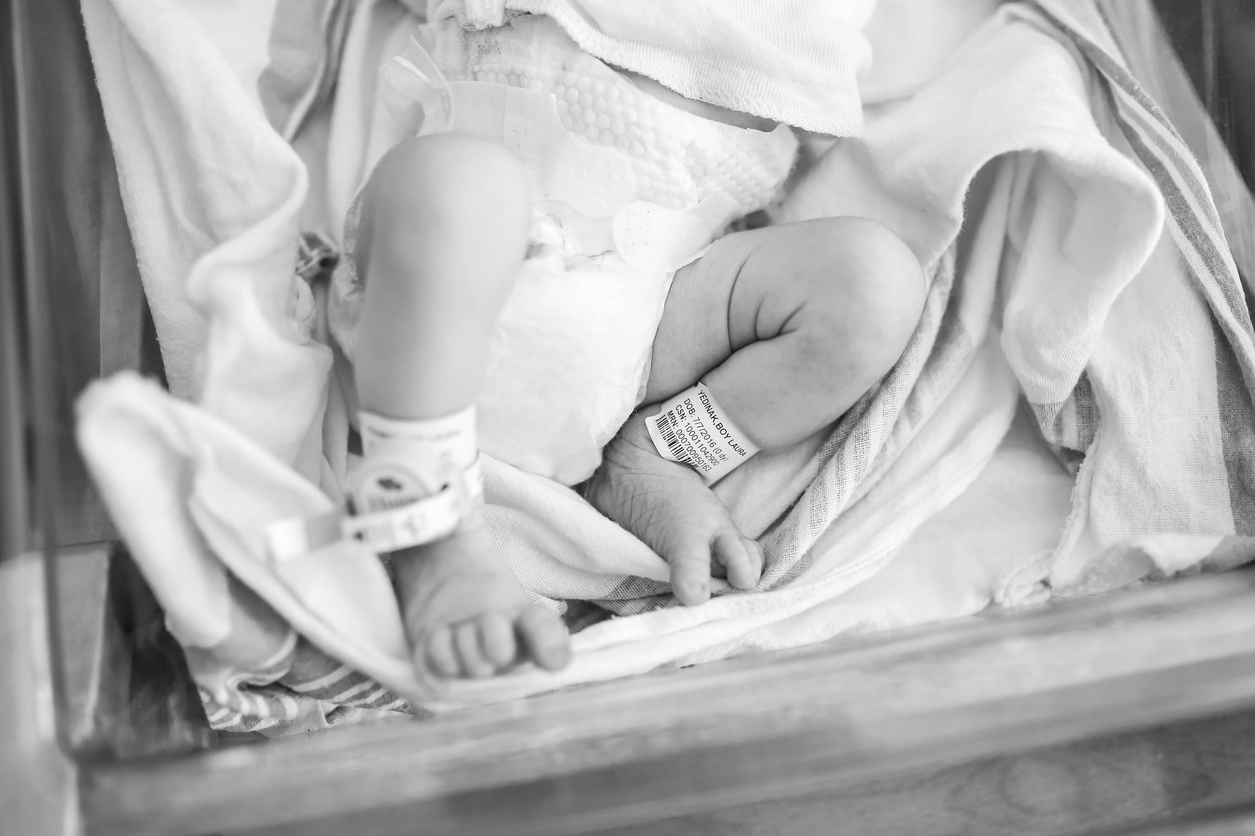 chicago newborn feet