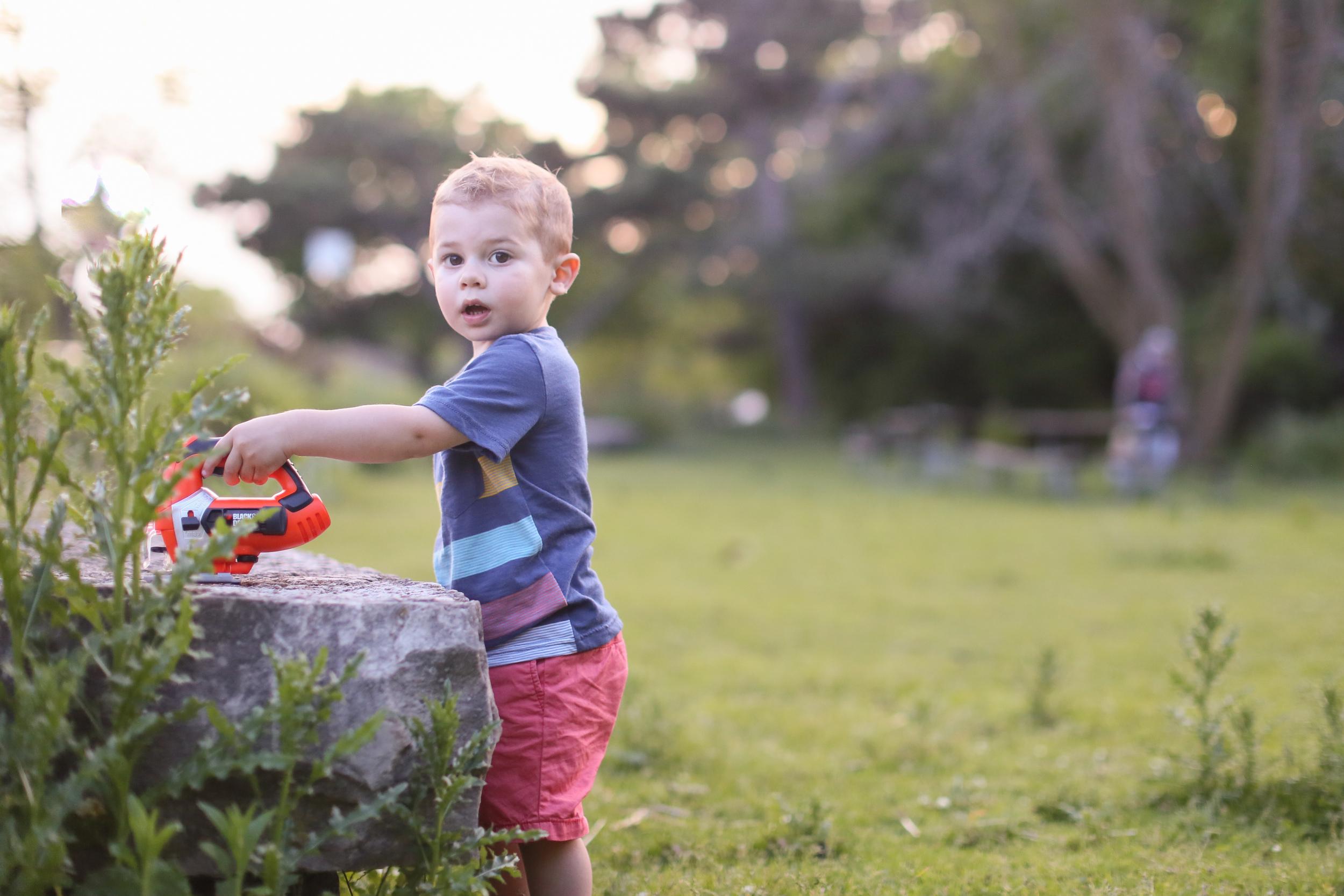 toddler saw tool play