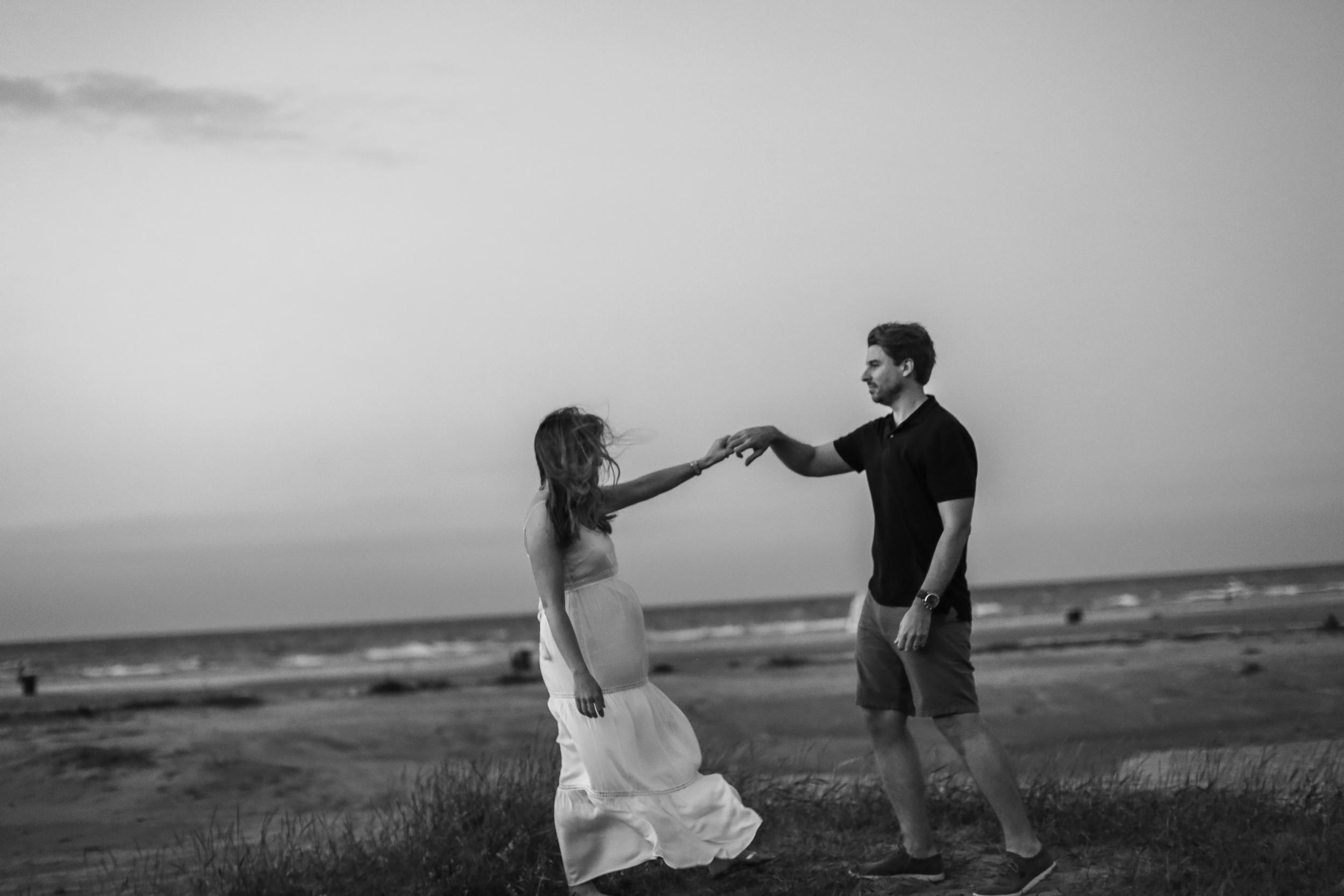 windy city couple beach dance