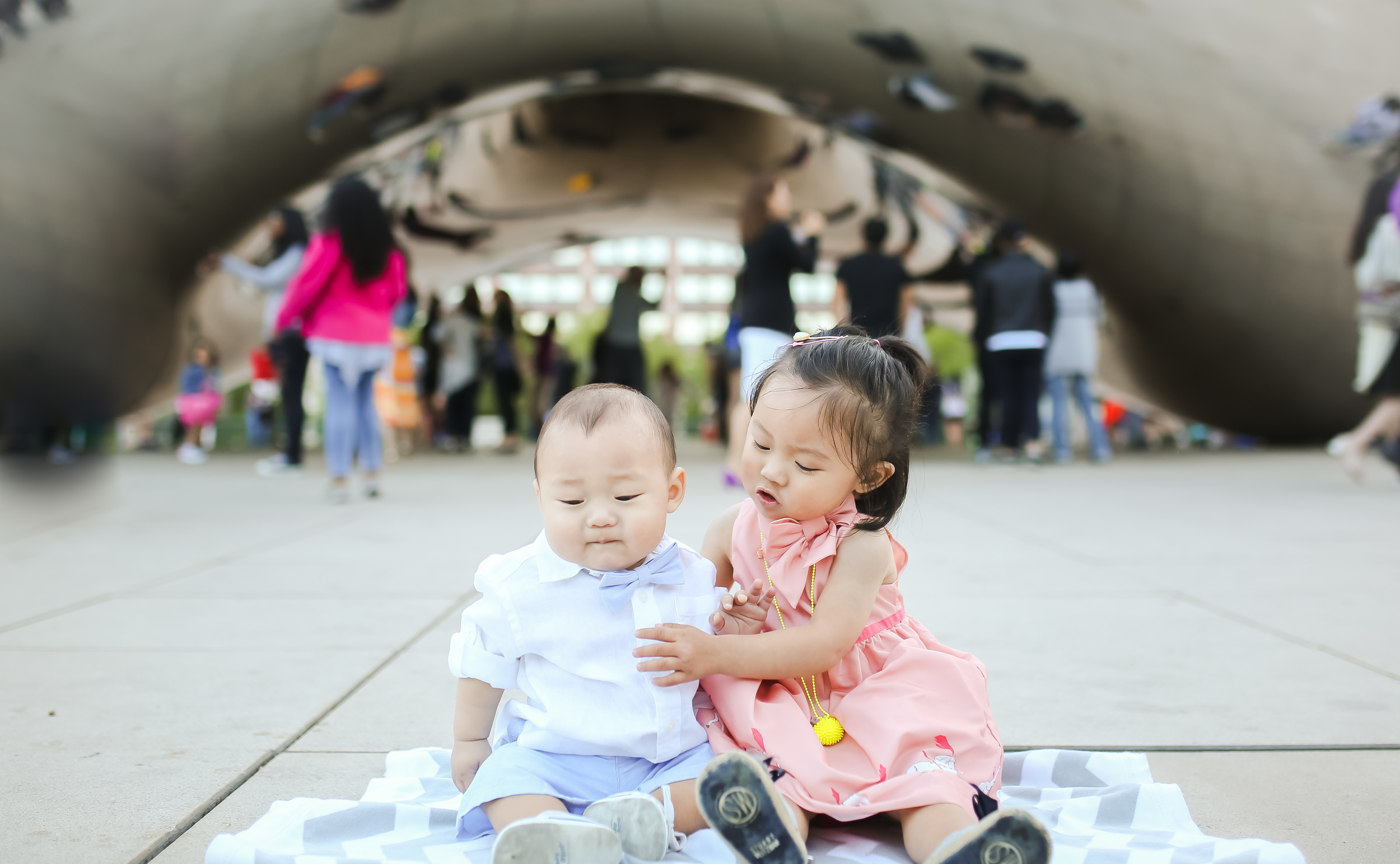 chicago sibling portrait in front of cloudgate