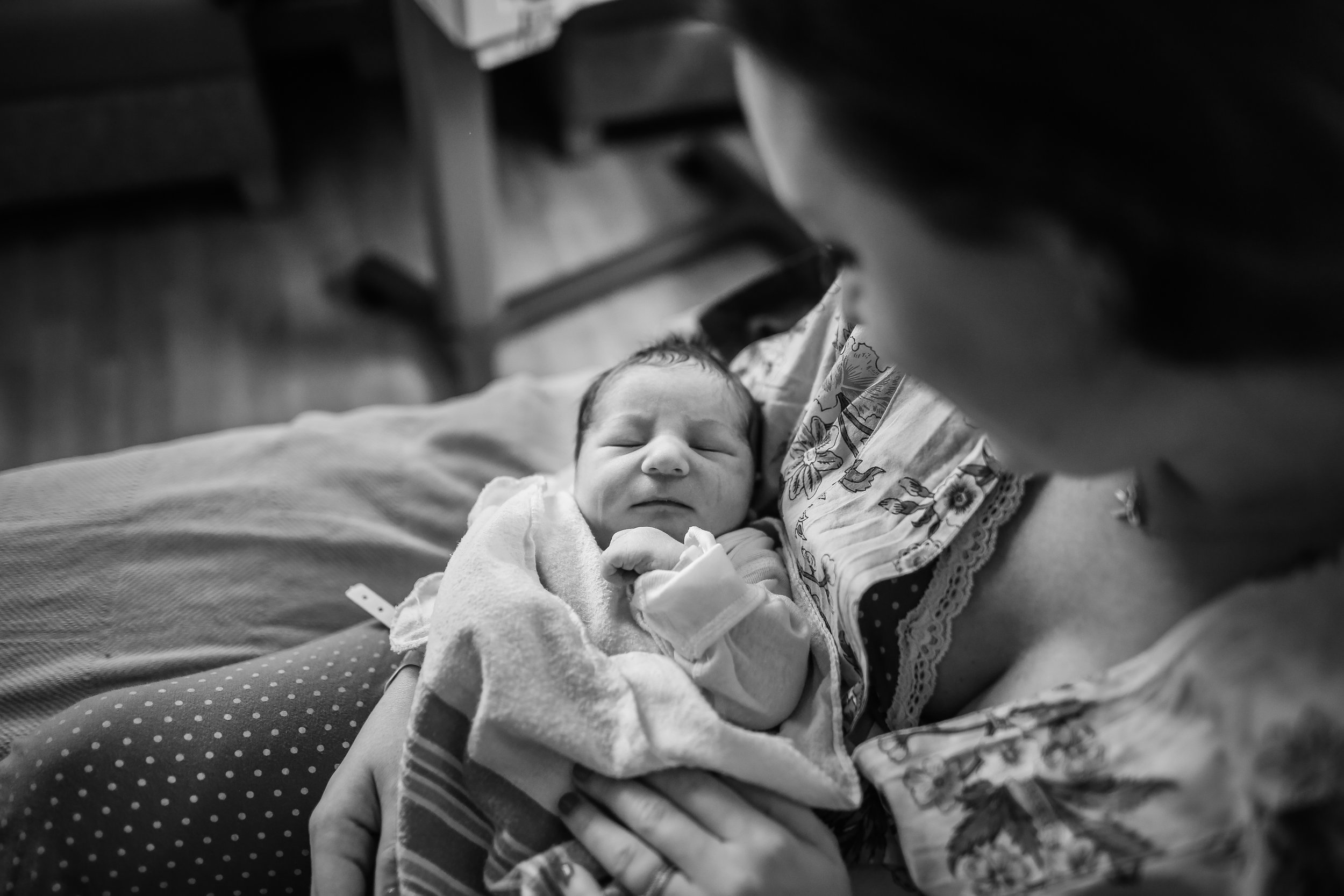 chicago hospital birth fresh 48 lifestyle photographer jenny grimm newborn baby photography