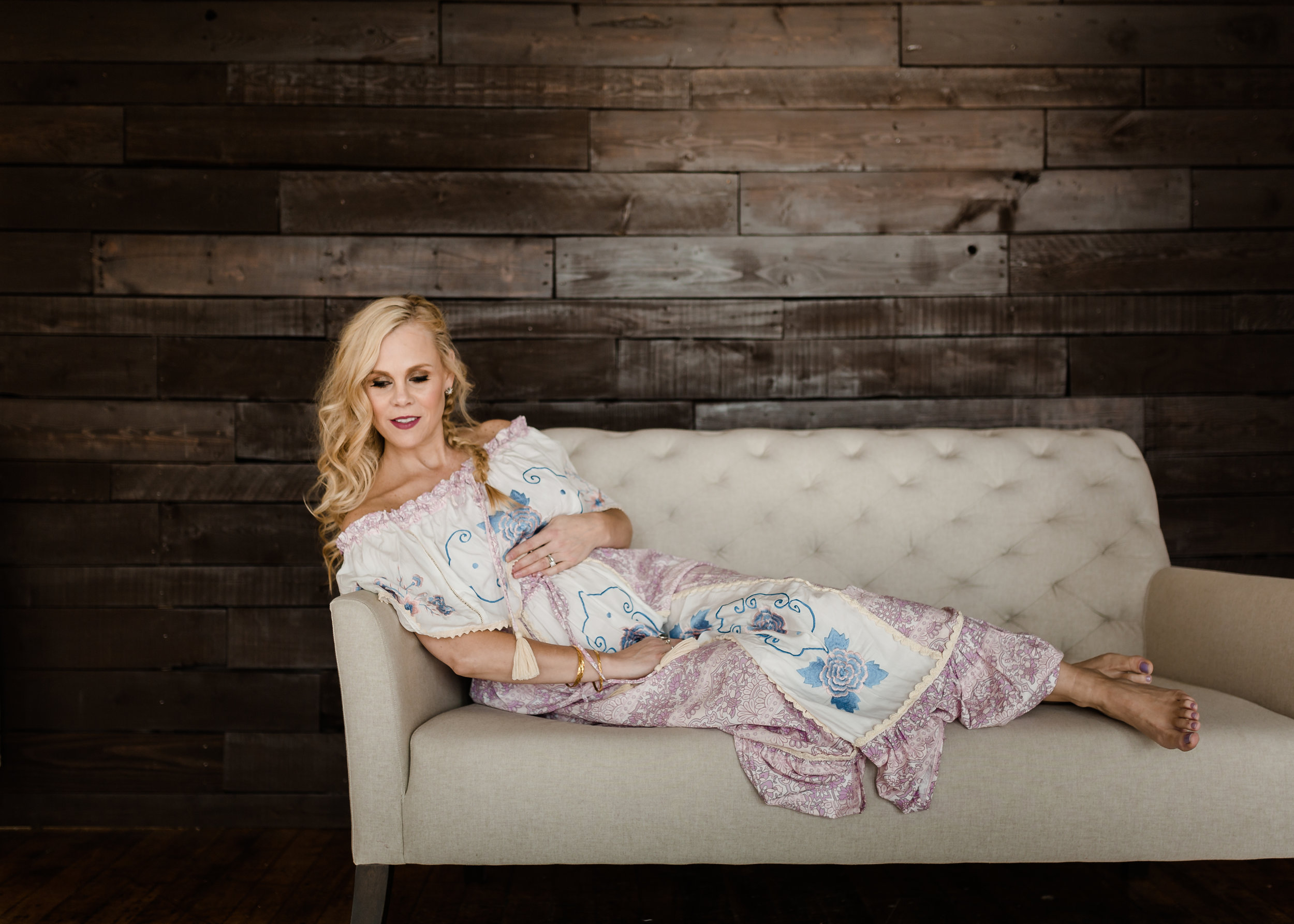 CHICAGO maternity bohemian chic lifestyle photography session