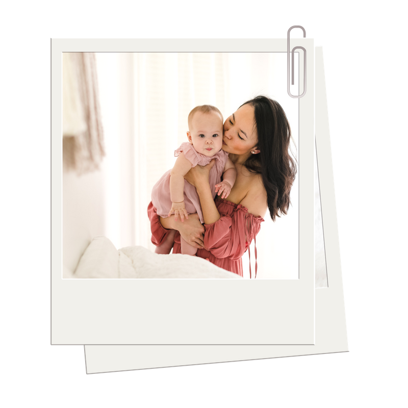 mommy and me jenny grimm photography studio bedroom lifestyle simple session chicago
