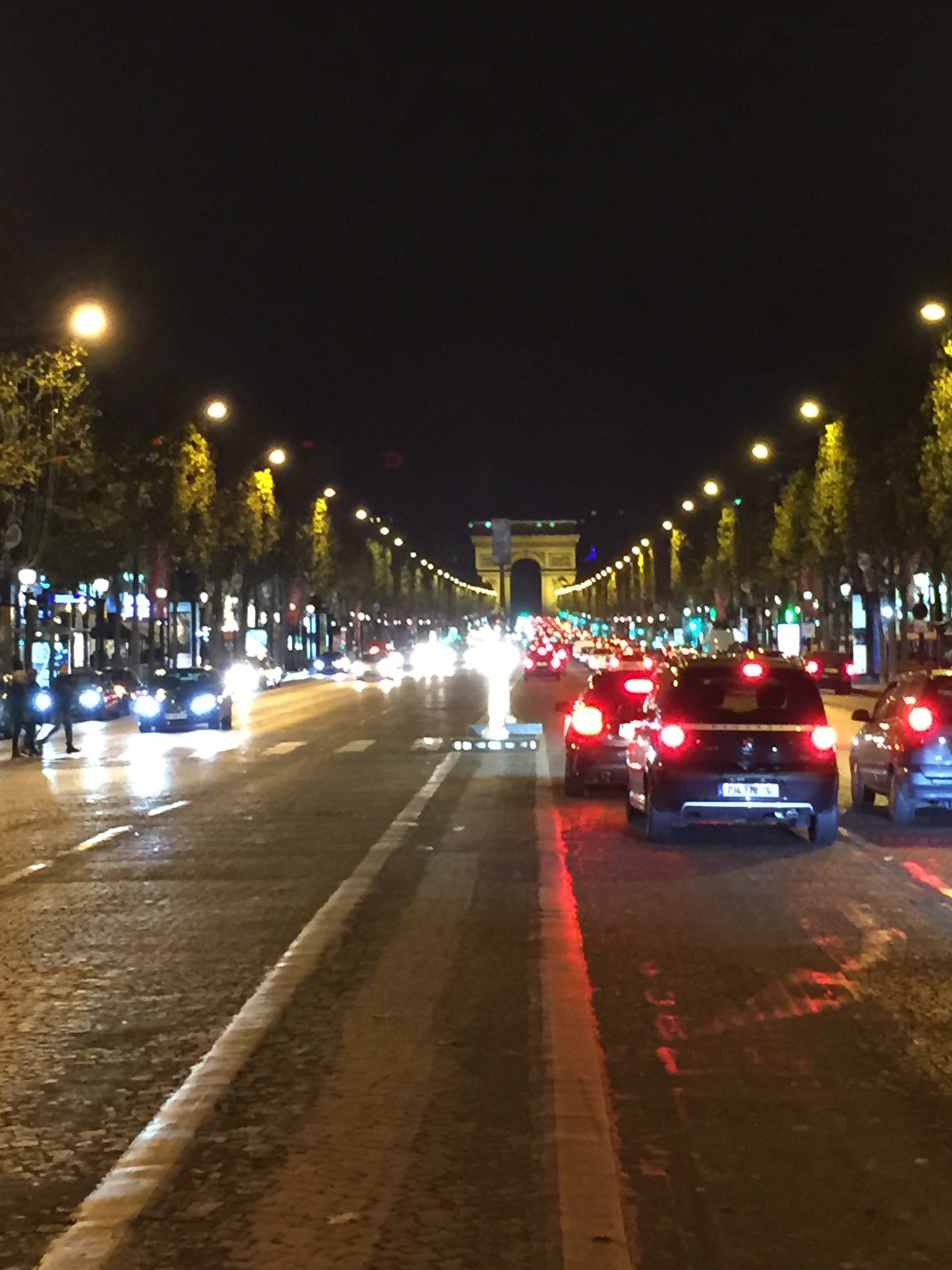 Arch Du Triomphe from the median of the  Champs-Élysées