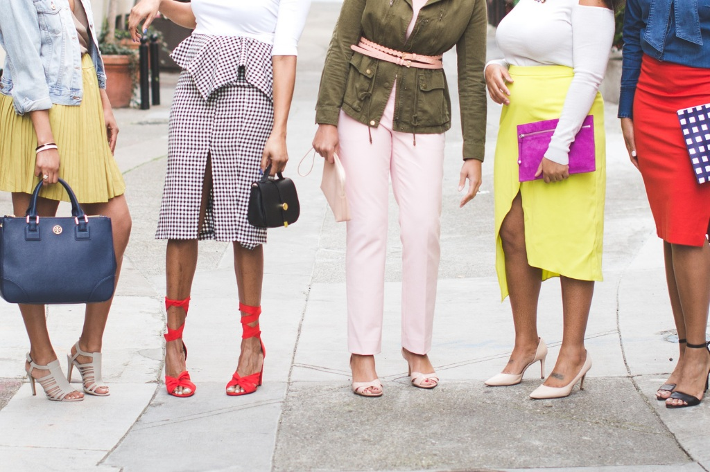 COMMUNITY - Access to other women who are ready and on the journey to amplify and transform their signature style and brand with our private facebook group.