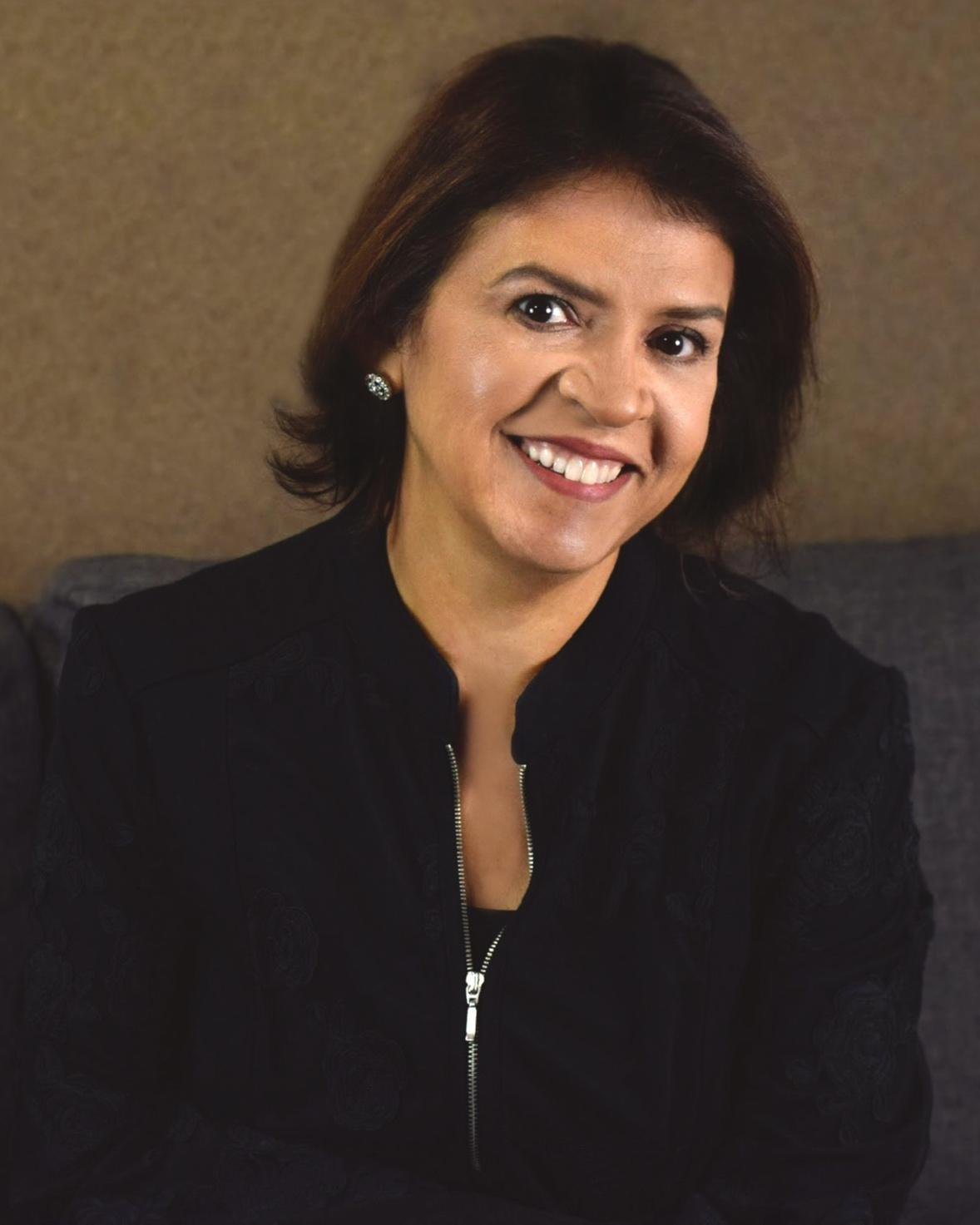 Elaine-social-media.jpg