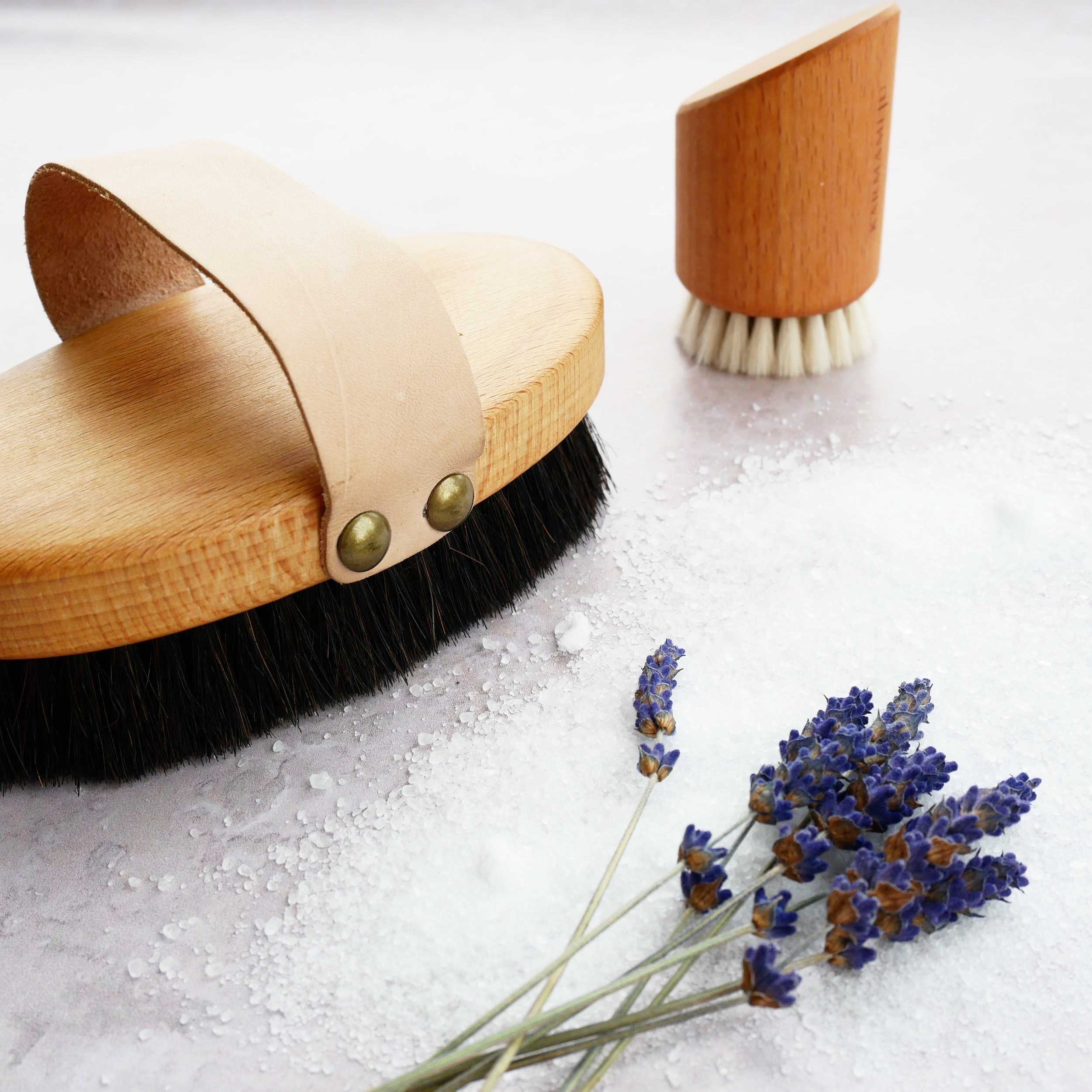 tørbørst dig til fastere hud