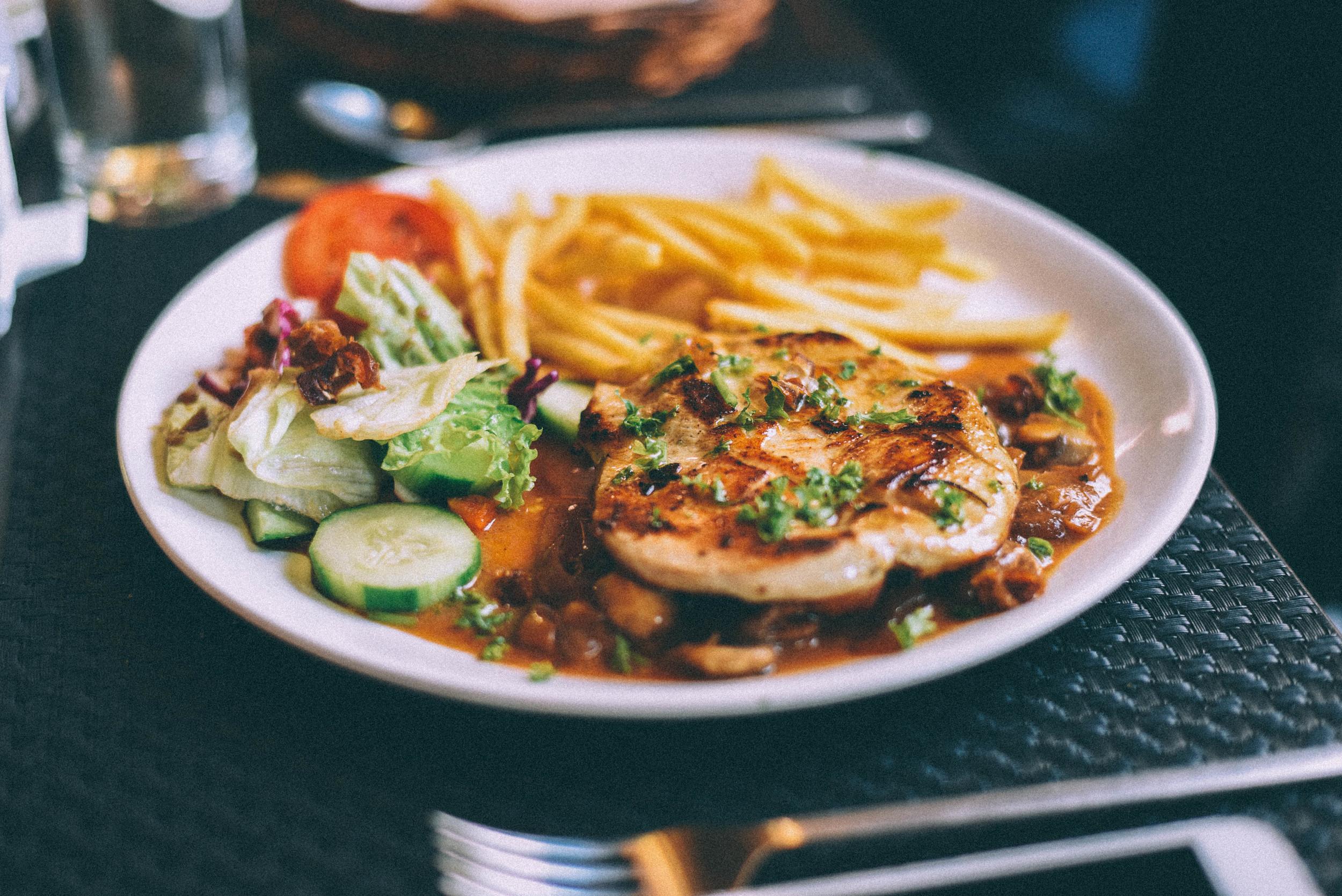 swiss-hutte-food