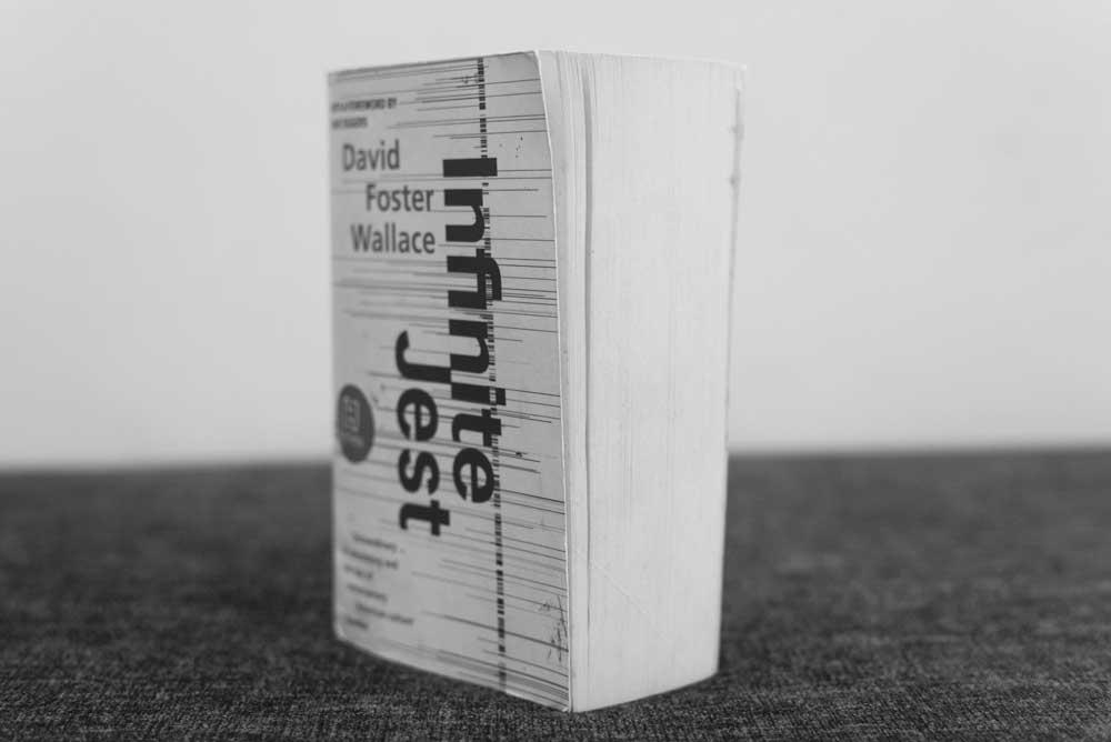 infinite-jest-david-foster-wallace-book.jpg