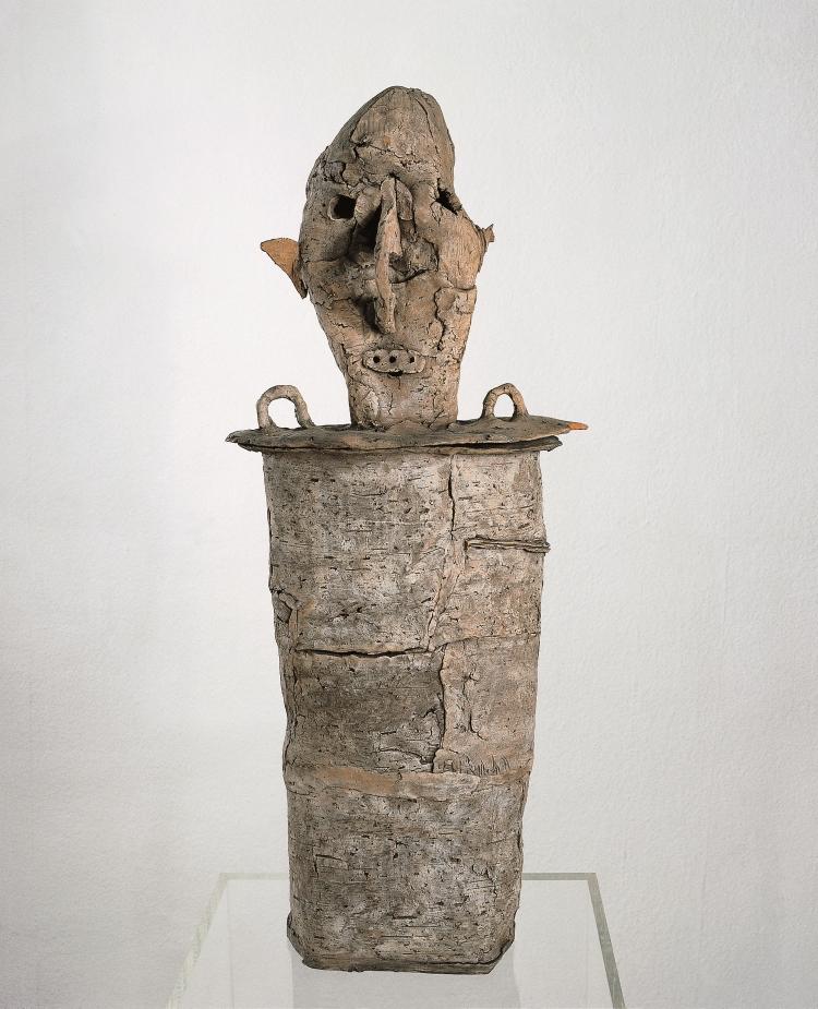 Untitled, 1961 Burned clay 65 x 25 x 8 cm