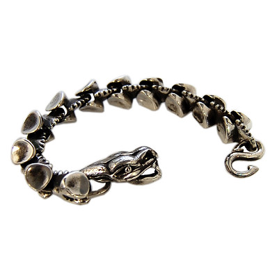 Spined back serpent bracelet