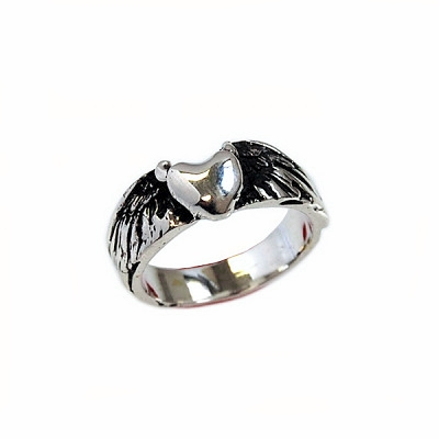 Flying Heart Ring