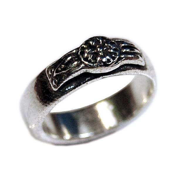 Rosette Band Ring
