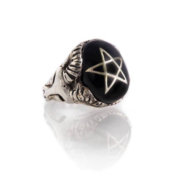 Devil Heart Ring - Black