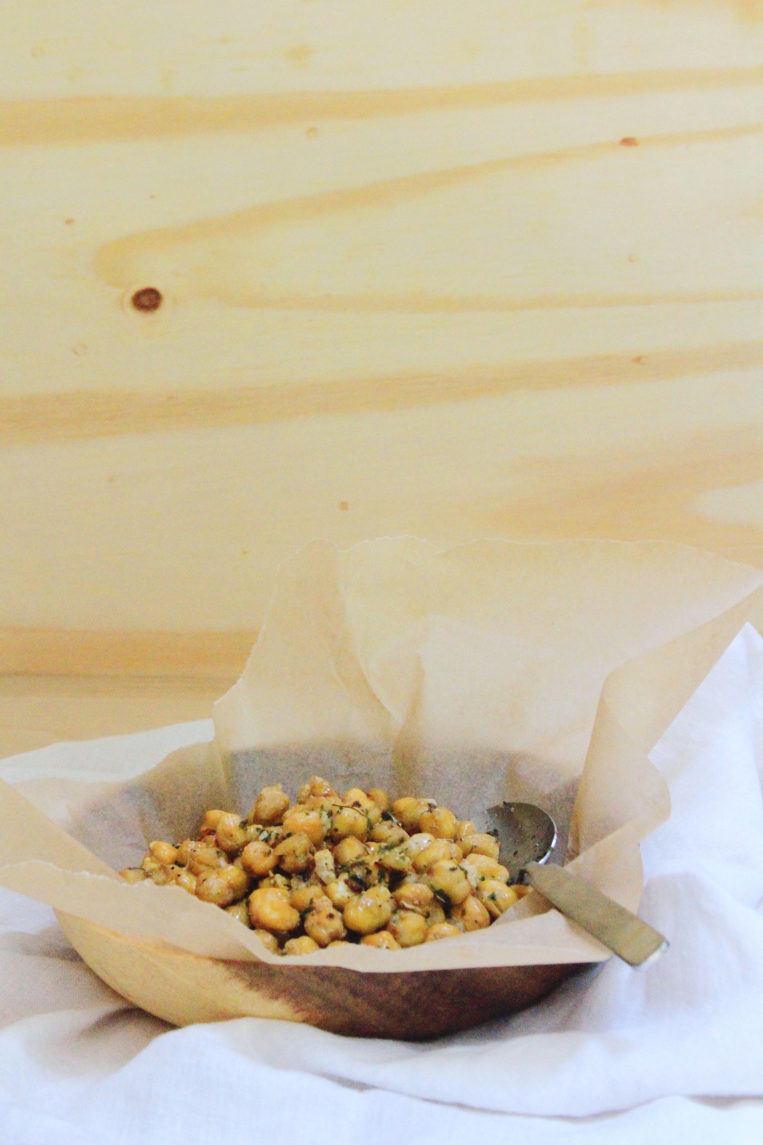Garlic and parsley chickpeas