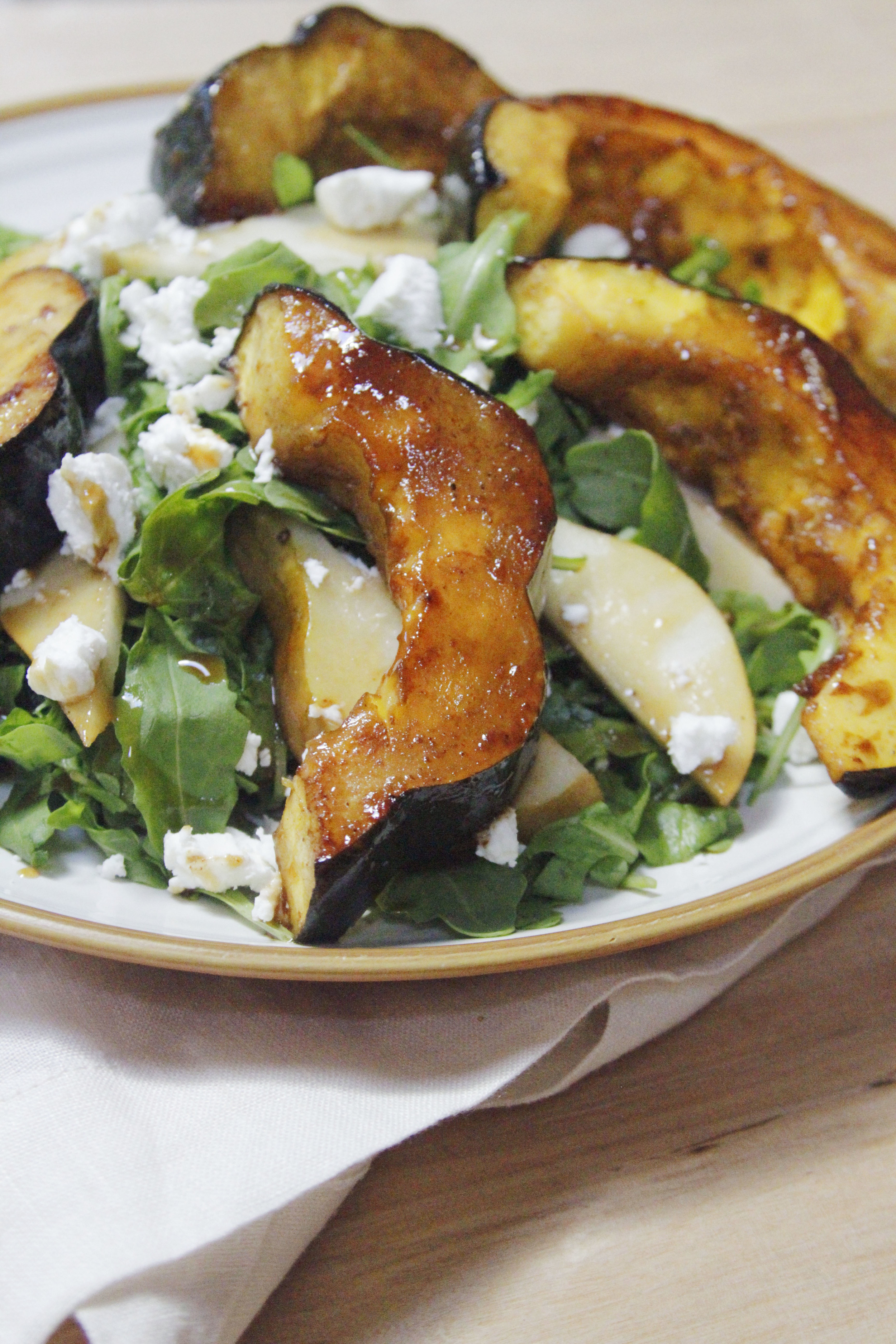 Harvest salad with roasted acorn squash