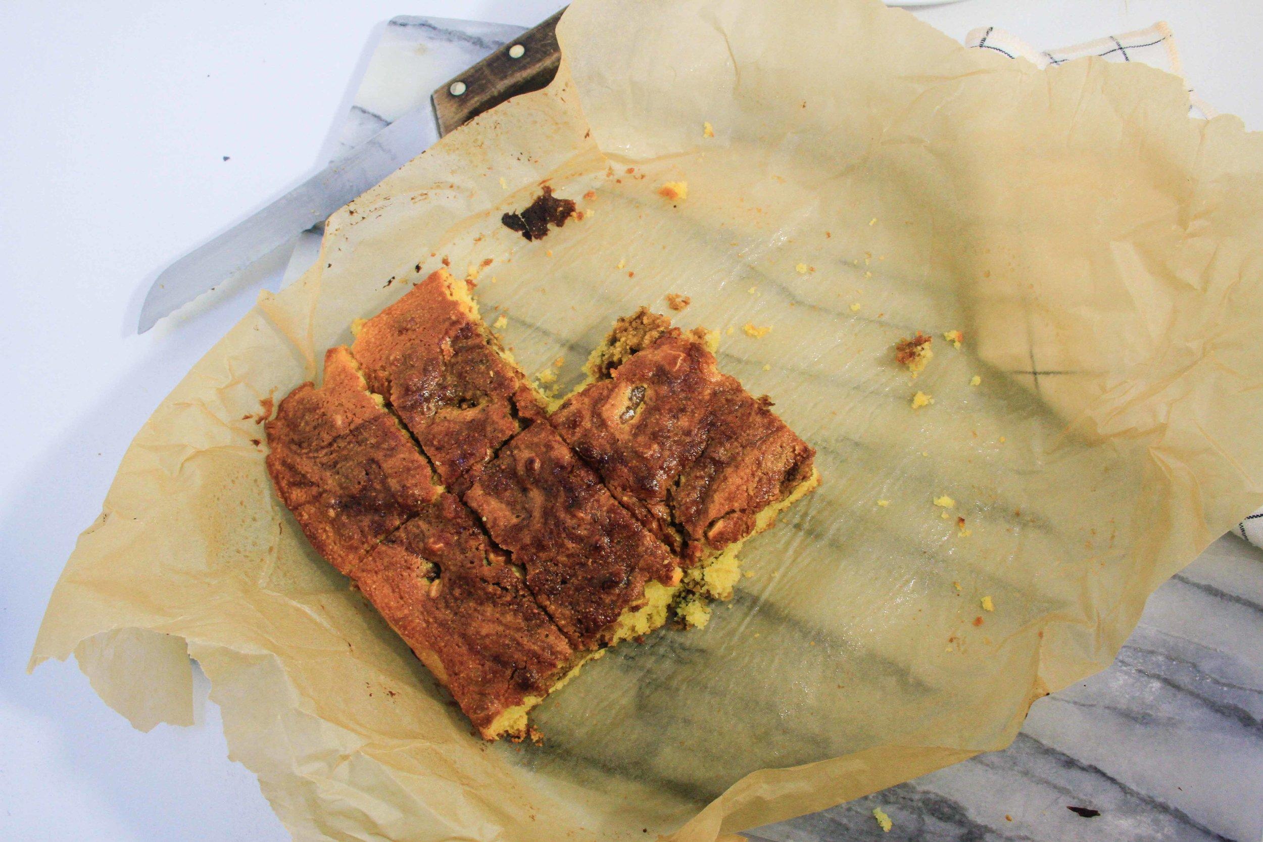 Swirled fig cornbread