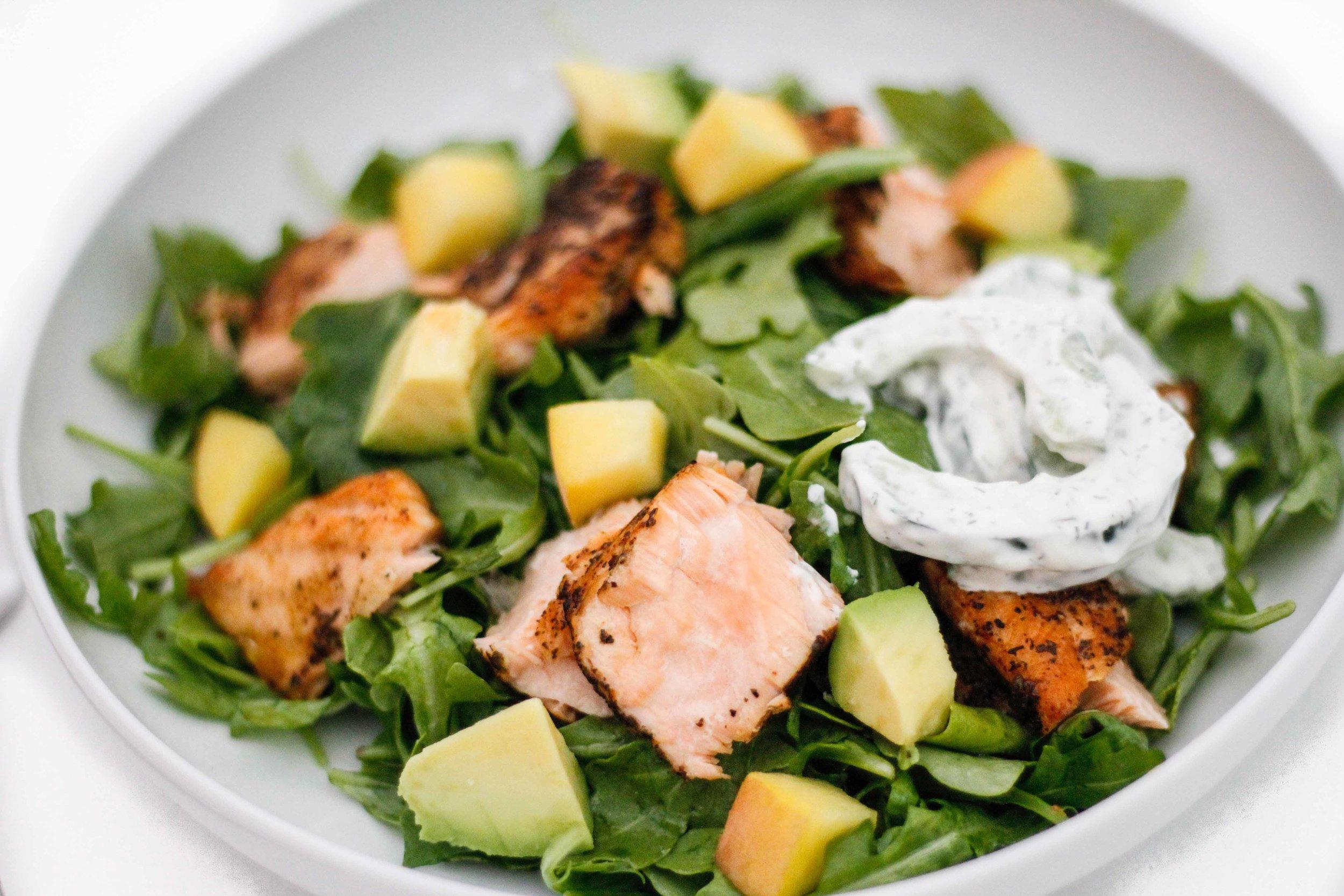 Green tea salmon salad
