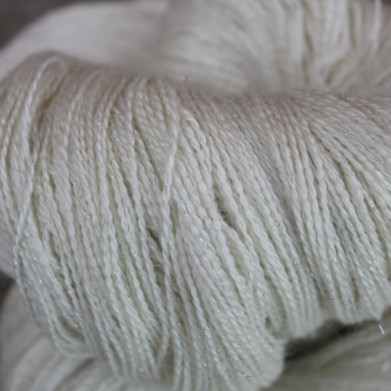 Type 49025: 65% Baby Alpaca, 20% Silk, 10% Cashmere and 5% Stellina 800m 100g