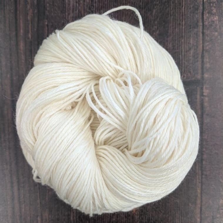 Type 49186N  Natural Bamboo Silk 4ply  65% Superwash Merino Wool 20% Natural Bamboo 15% Silk  100g Hanks 400m per 100g 4/16nm