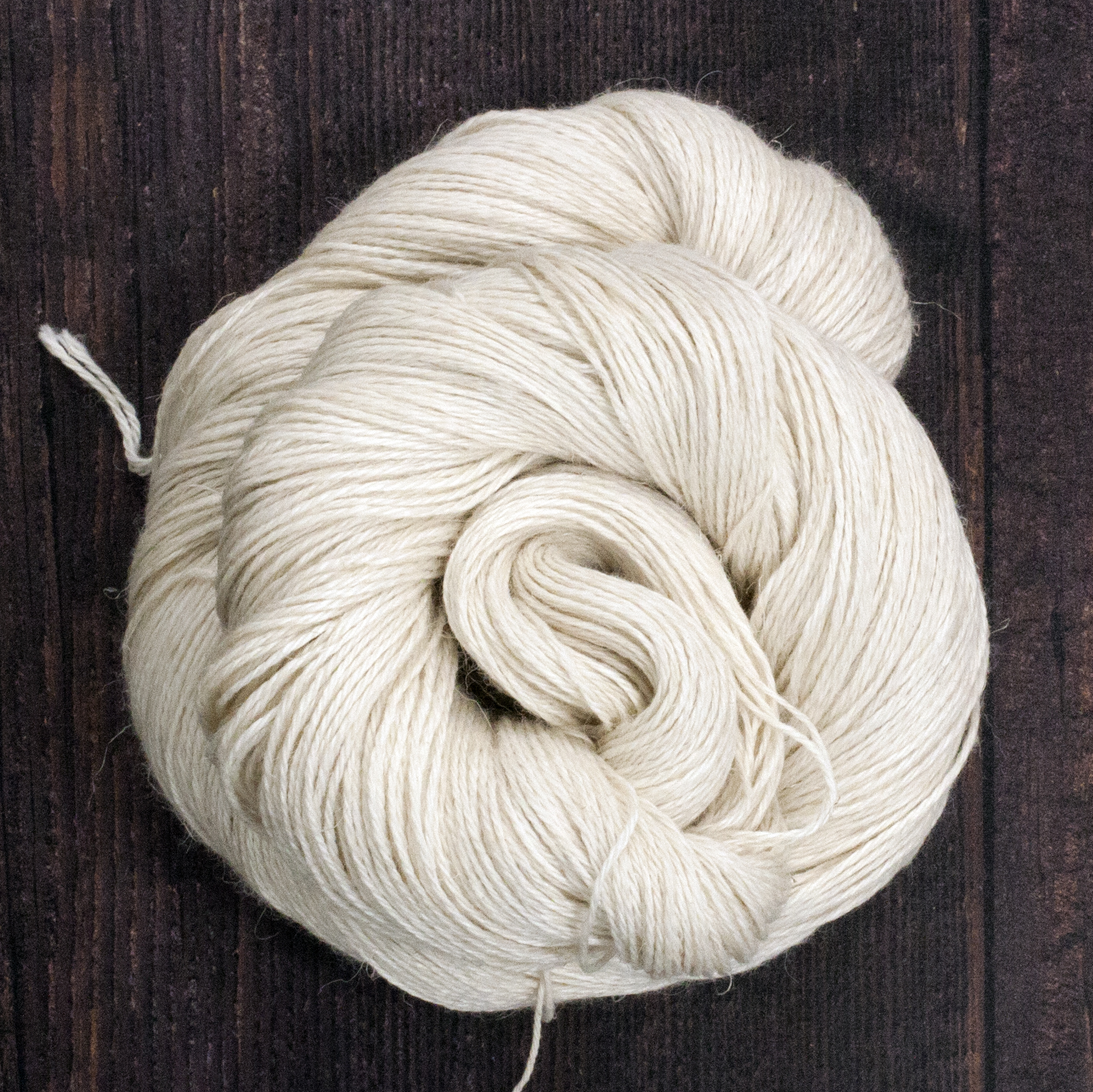 Type 49160   Eygptian 4ply  50% Baby Alpaca  25% Linen  25% Silk  100g Hanks   400m per 100g 3/12nm