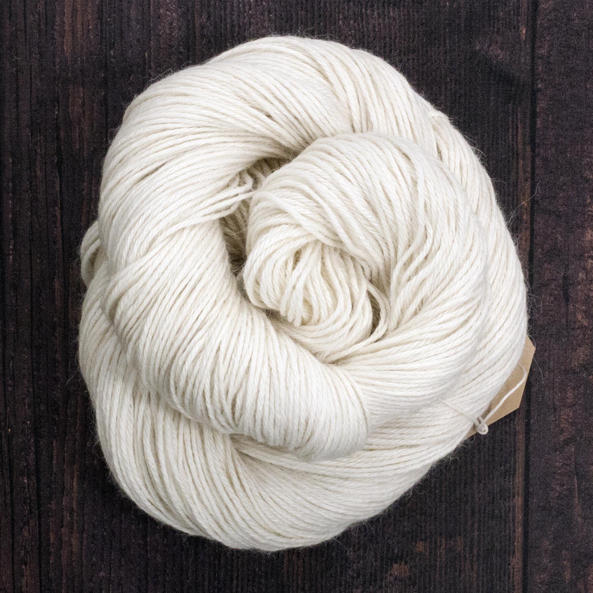 Type 49109   Alpaca Silk Sport 262  80% Superfine Alpaca 20% Silk  100g Hanks  262m per 100g 4/10.5nm