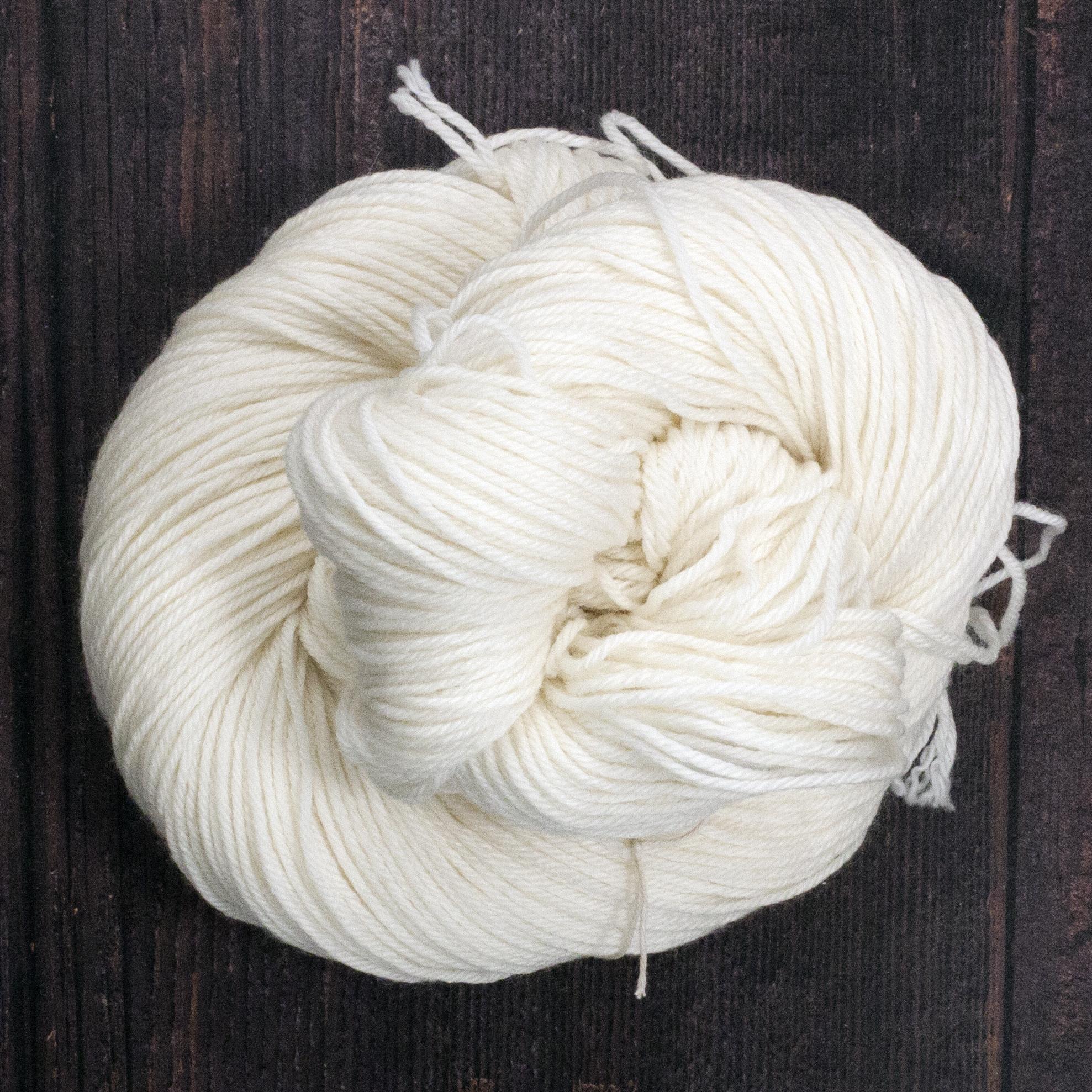 Type 49153   MCN Sport 262  80% Superwash Merino Wool 10% Cashmere 10% Nylon  100g Hanks 262m per 100g 4/10.5nm