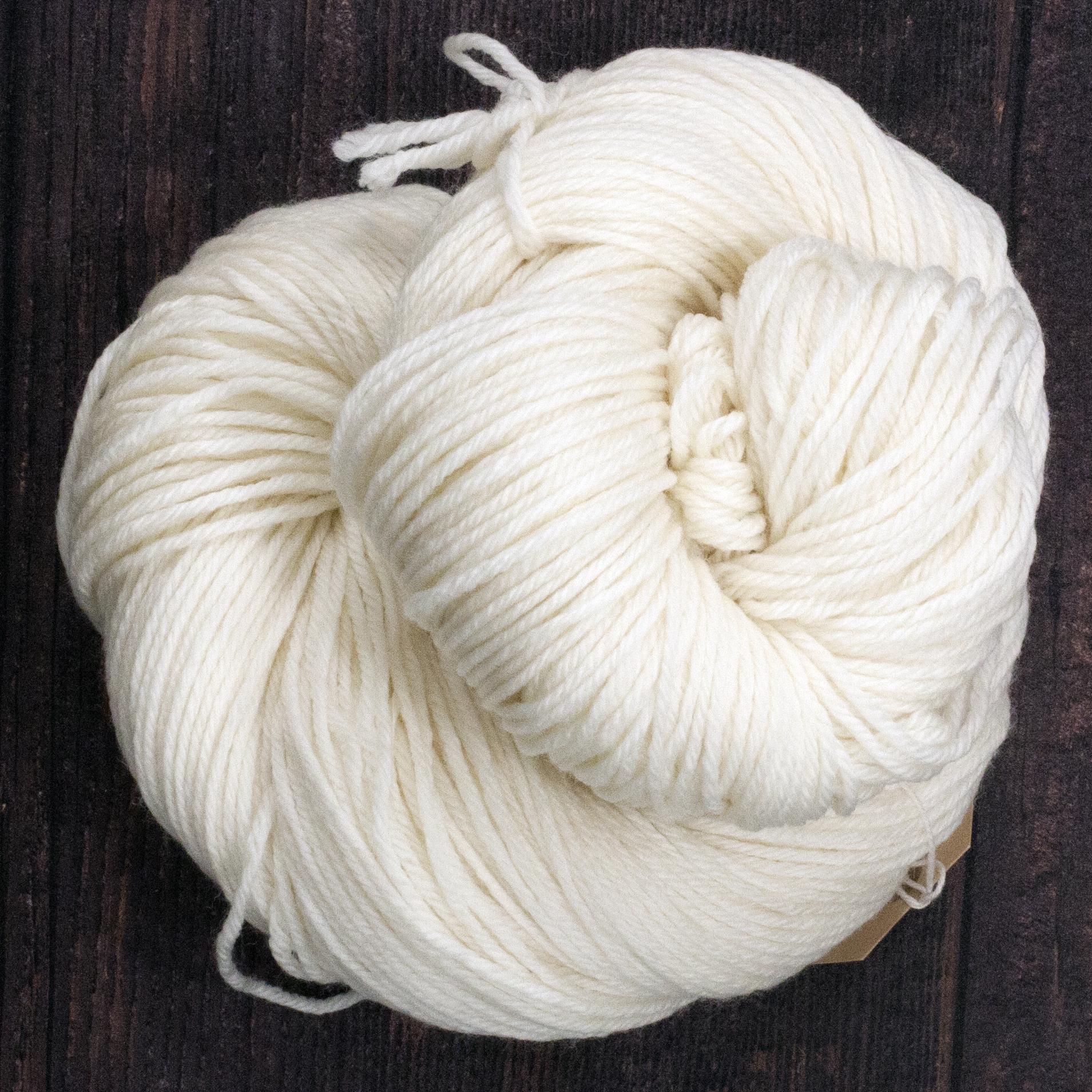 Type 49204C   Ultra DK 50s 100% Superwash Merino Wool  50g Hanks 112m per 50g (225m per 100g) 4/9nm