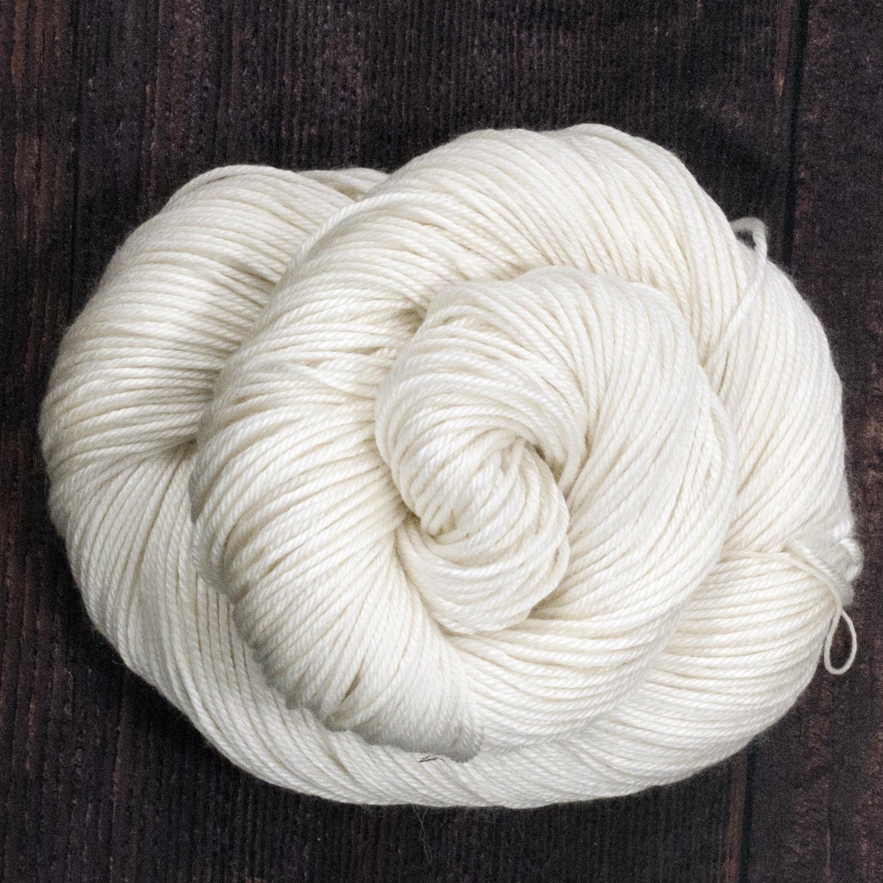 Type 49209  Silky 50/50 DK 50% Superwash Merino Wool 50% Silk  100g Hanks 212m per 100g 4/8.5nm
