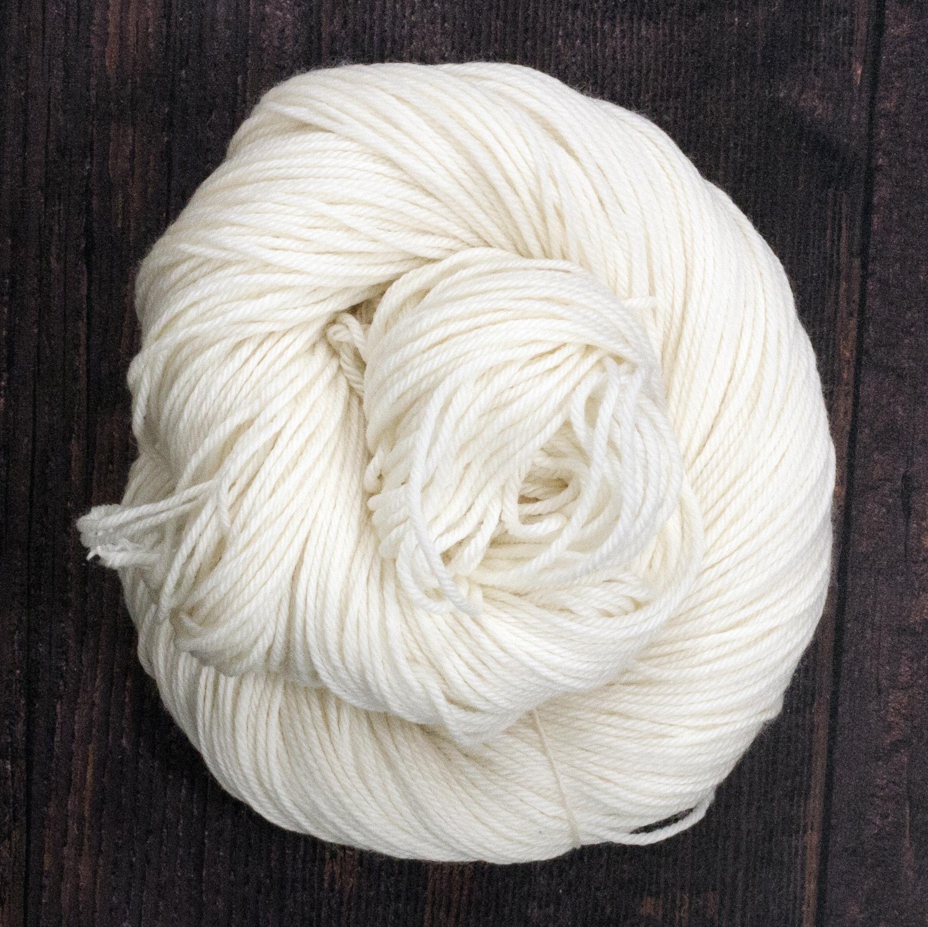 Type 49230   Platinum DK   75% Superwash Merino Wool 25% Nylon    100g Hanks  225m per 100g 4/9nm