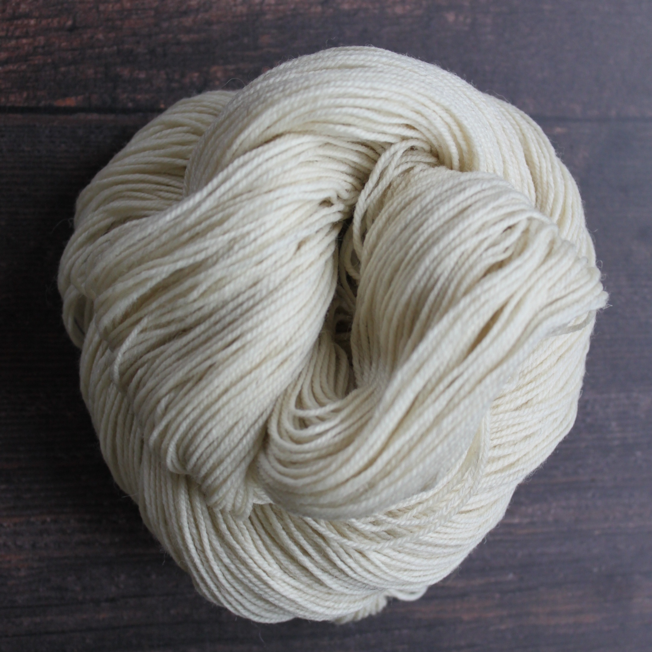 Type 49122   Highland Sport Non SW  100% Non-Superwash Wool  100g Hanks 300m per 100g 3/9nm