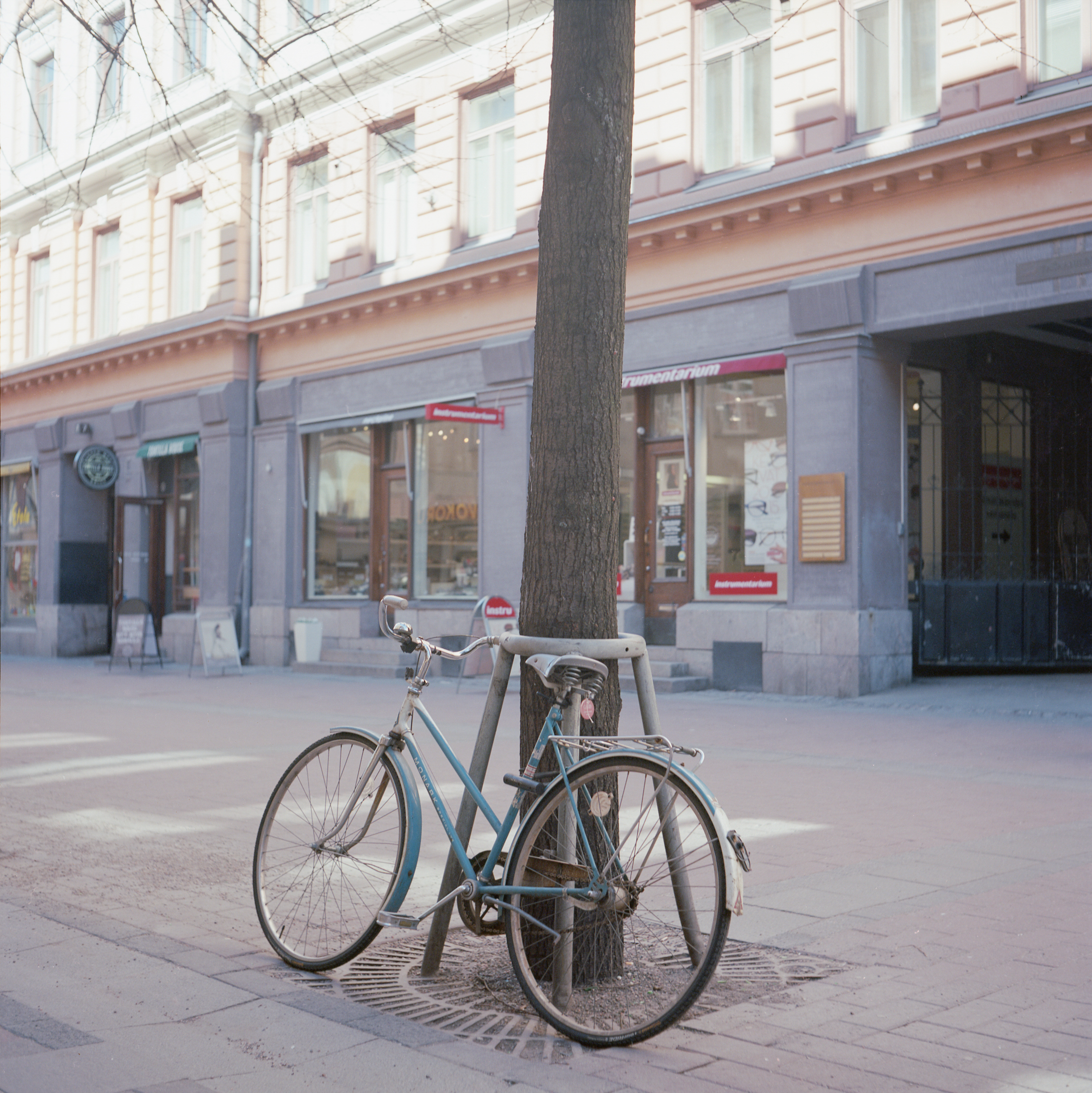 Rolleiflex Automat MX, Kodak Ektar 100, 120mm, Epson V700, 24th April 2015