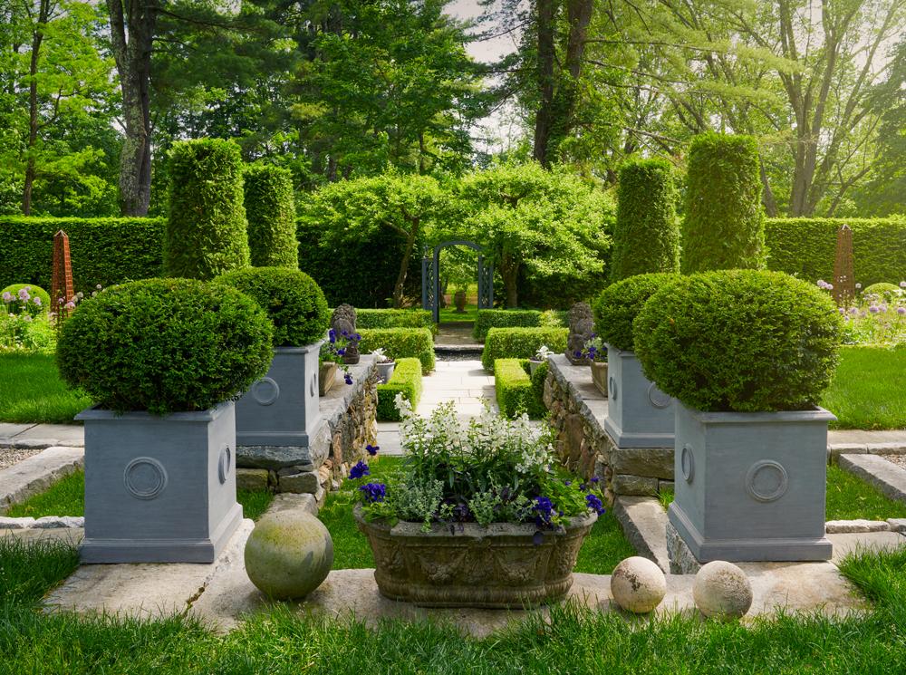 Bunny Willimas Garden icon planters.jpg