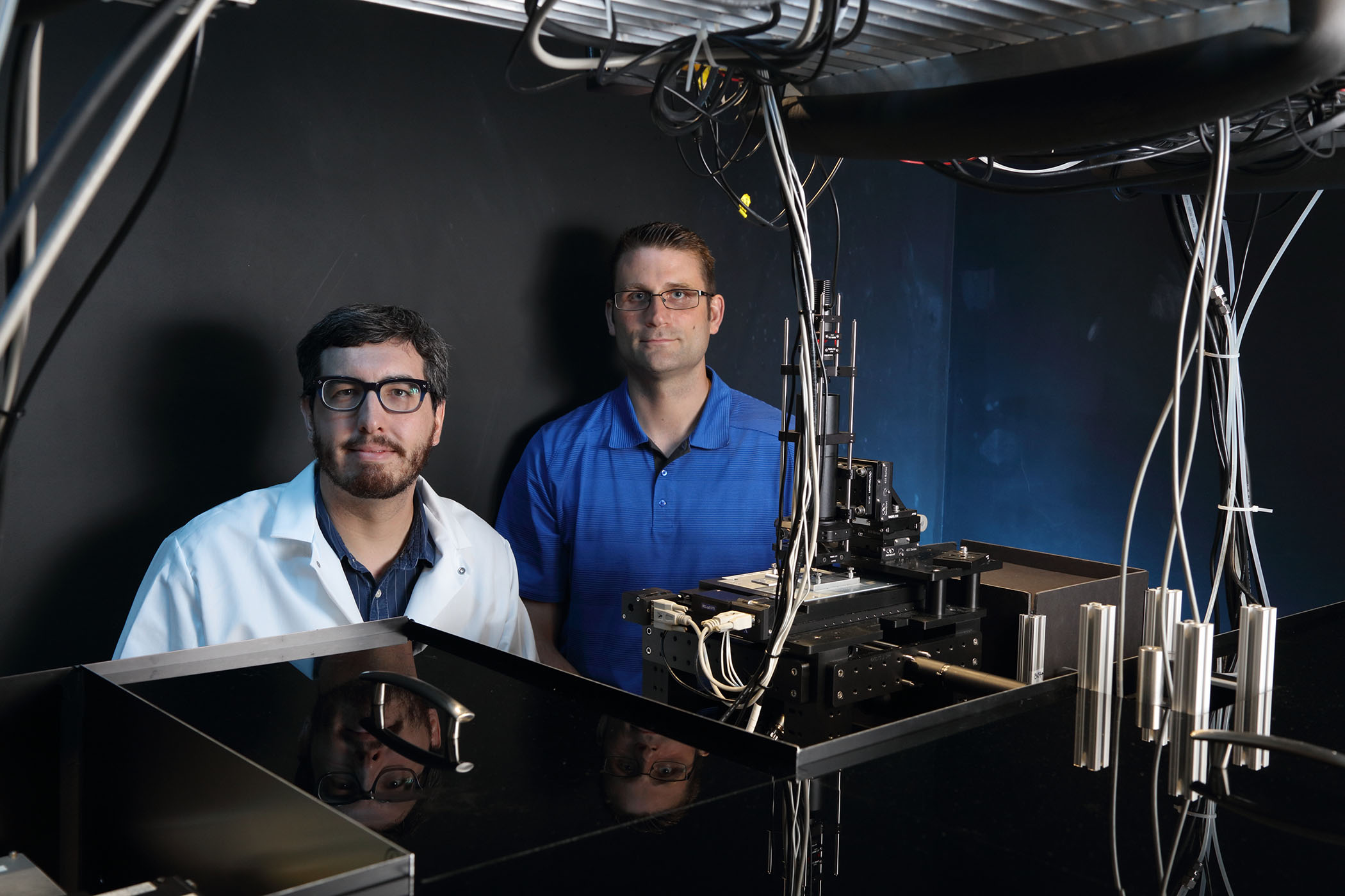 Charles and Andreas behind our home-built super-resolution microscope