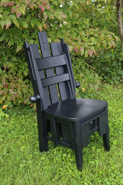 The buyer at auction definitely took home a throne-like sitting experience!