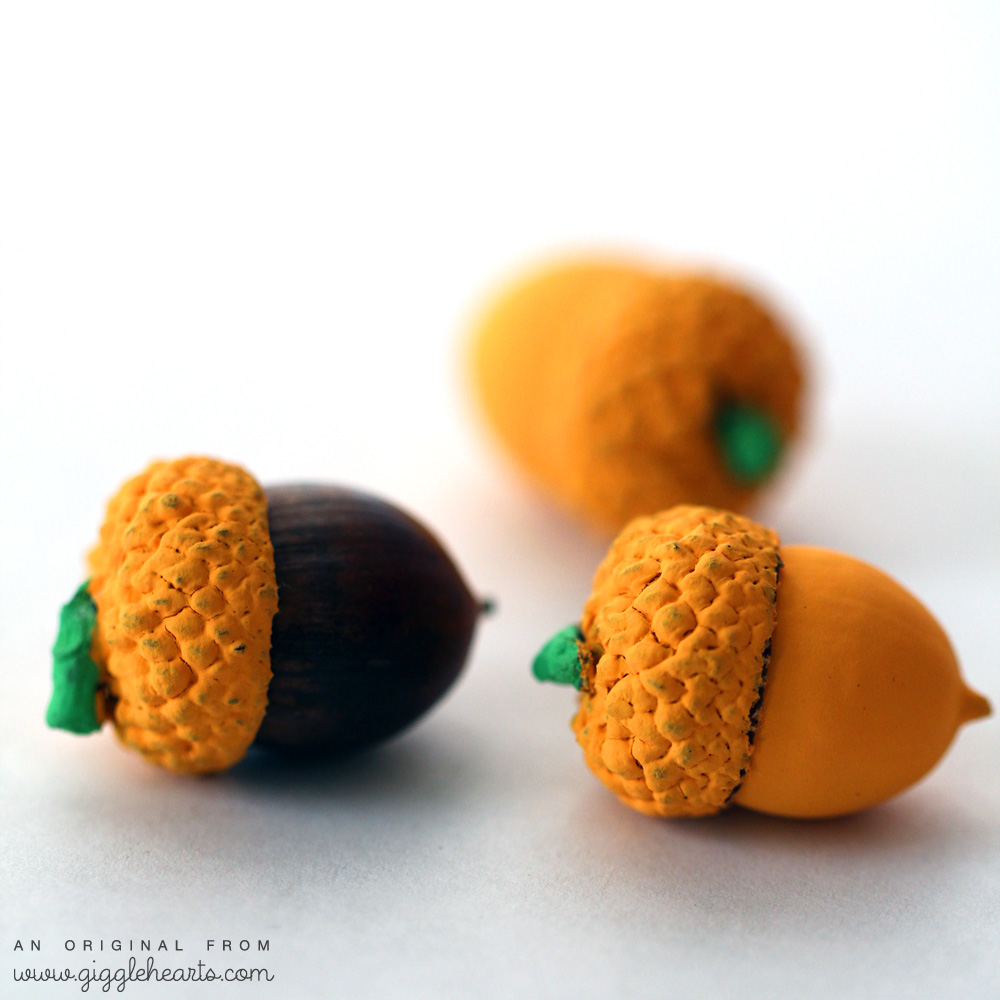 Painted Acorn Pumpkins : a fun and easy DIY for Halloween and Thanksgiving | from www.GiggleHearts.com