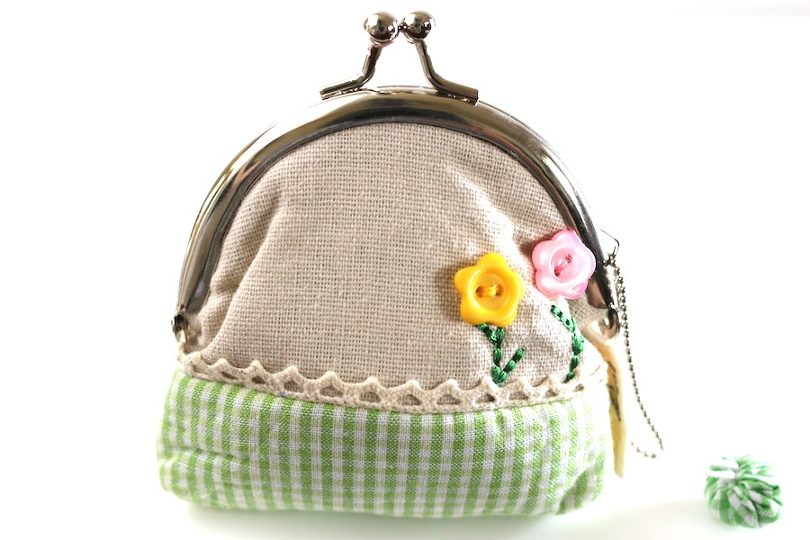 Mint Green Gingham Coin Purse with Embroidered Button Flowers #favorbag