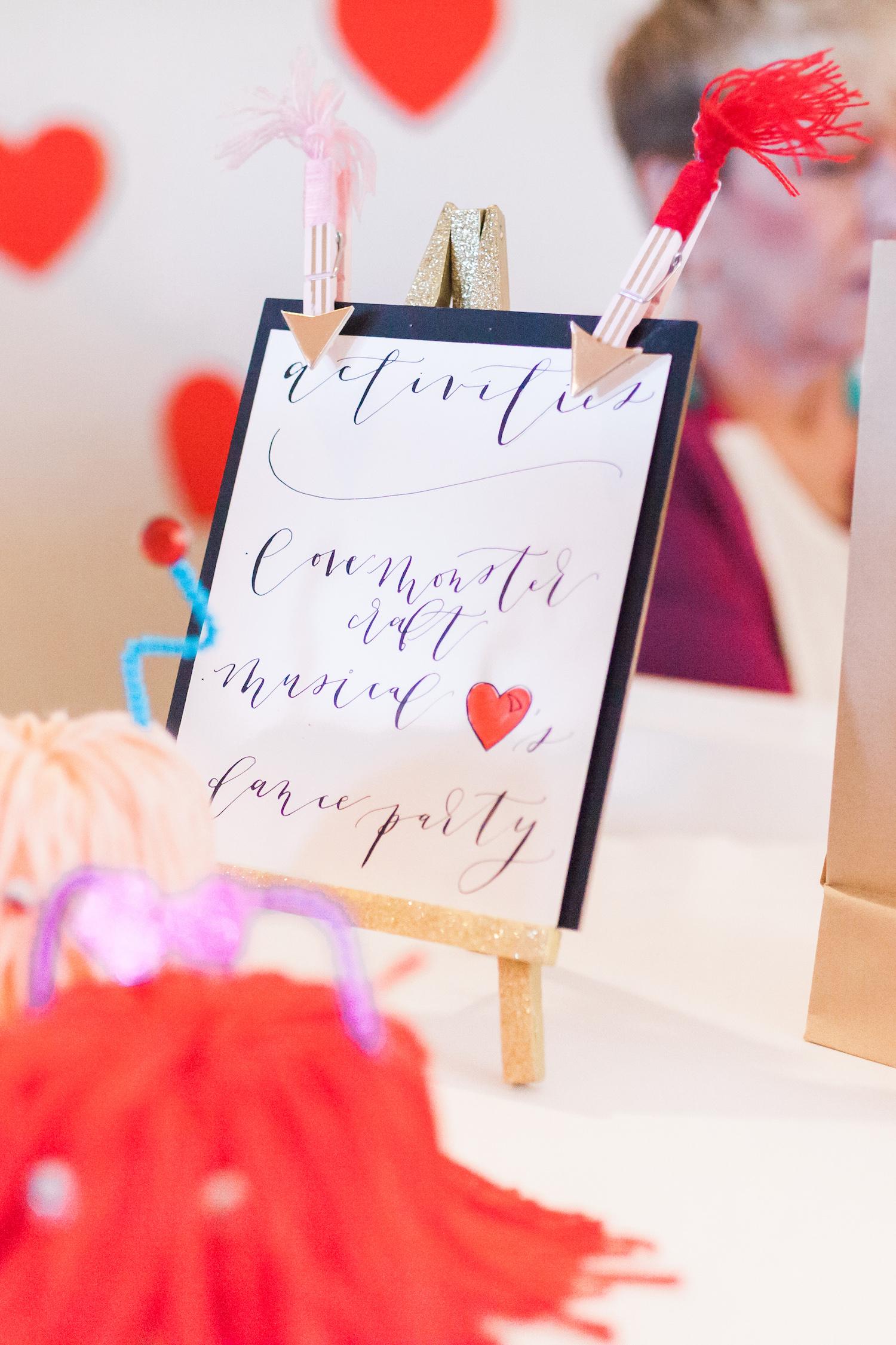 art-craft-valentines-day-party-Connie-Meinhardt-Photography-activity-chalkboard.jpg