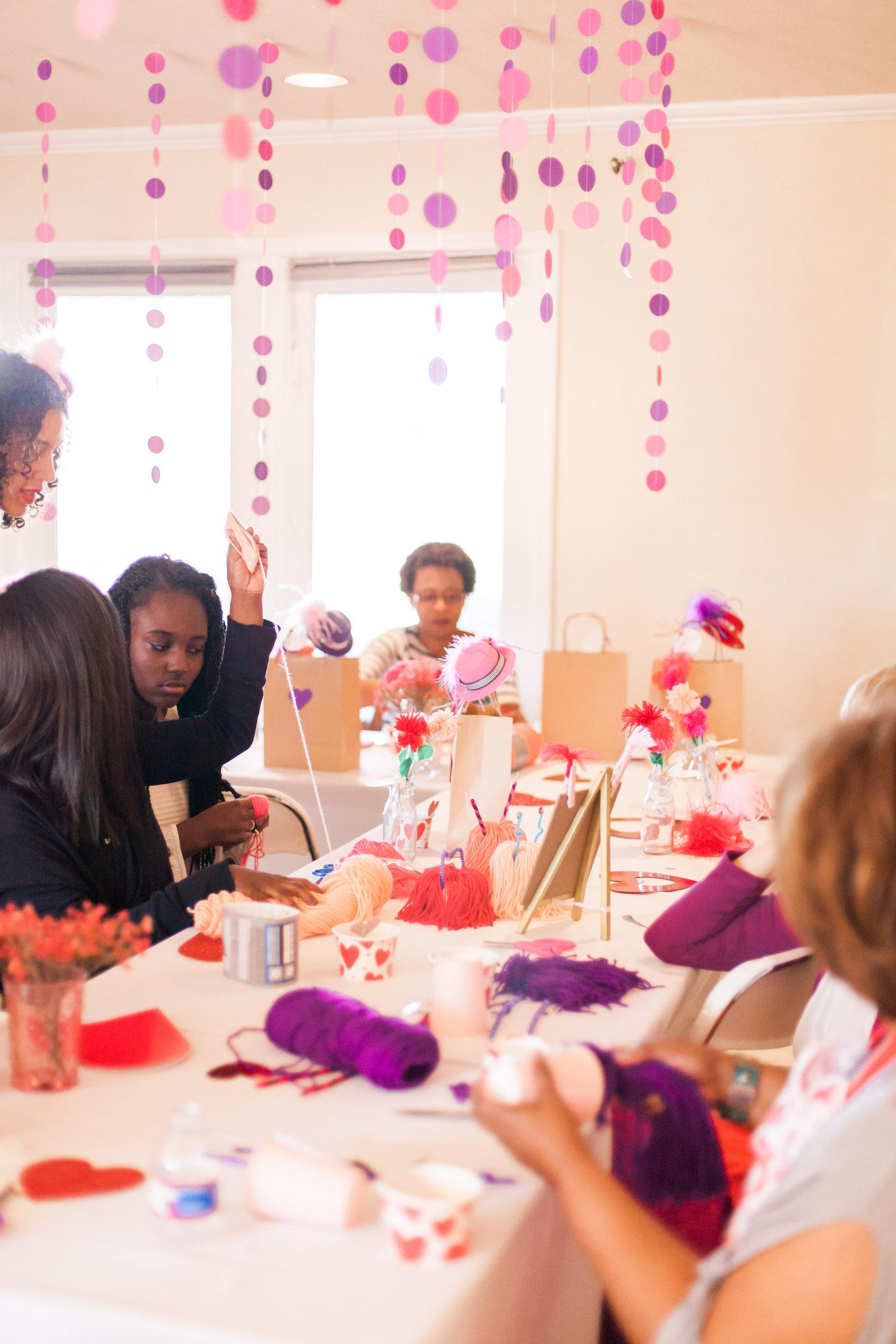 art-craft-valentines-day-party-Connie-Meinhardt-Photography-activities.jpg